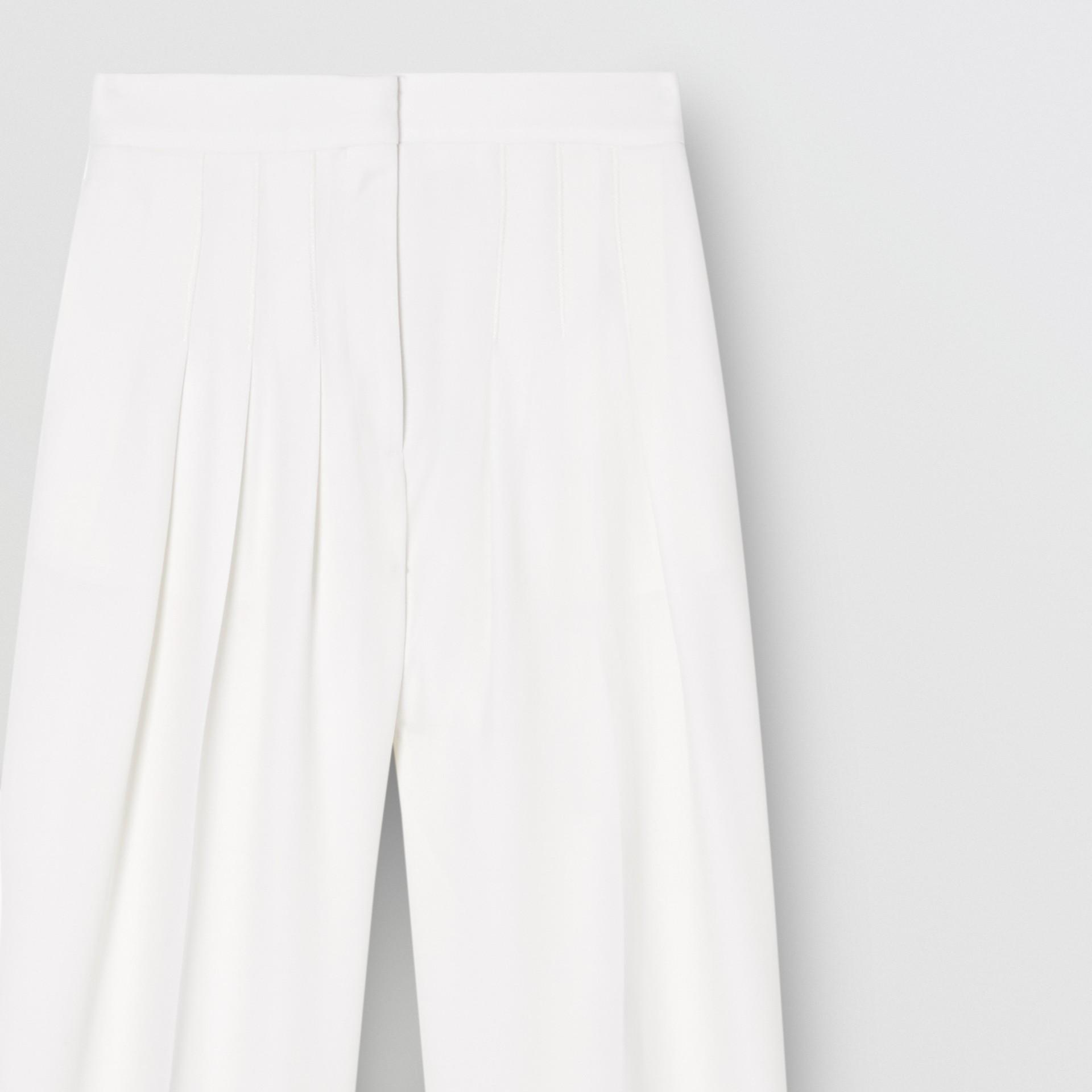 Grain De Poudre Wool Pleated Trousers in Snow - Women | Burberry Australia - gallery image 3
