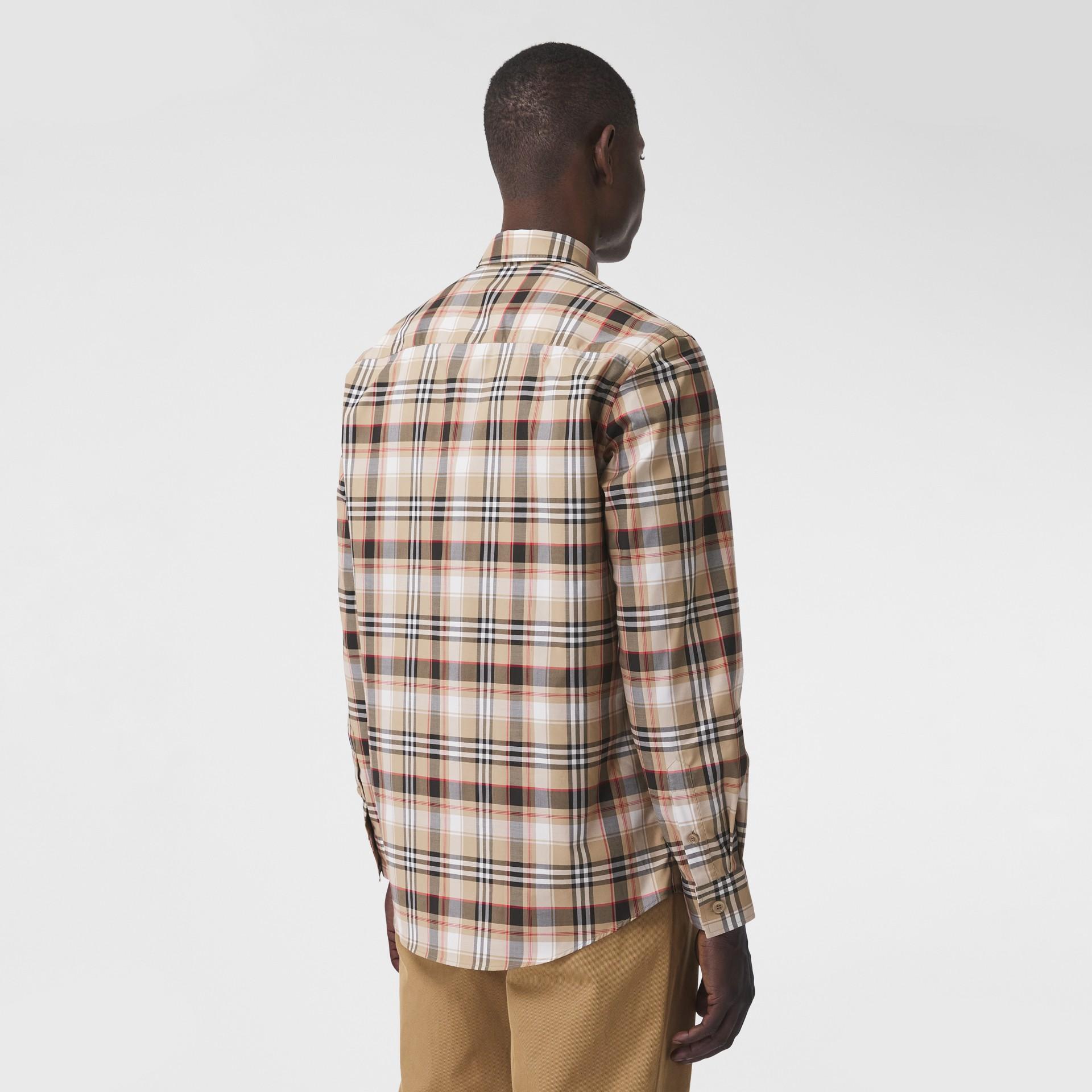 Camisa de algodão stretch com logotipo B bordado (Preto) - Homens | Burberry - galeria de imagens 2
