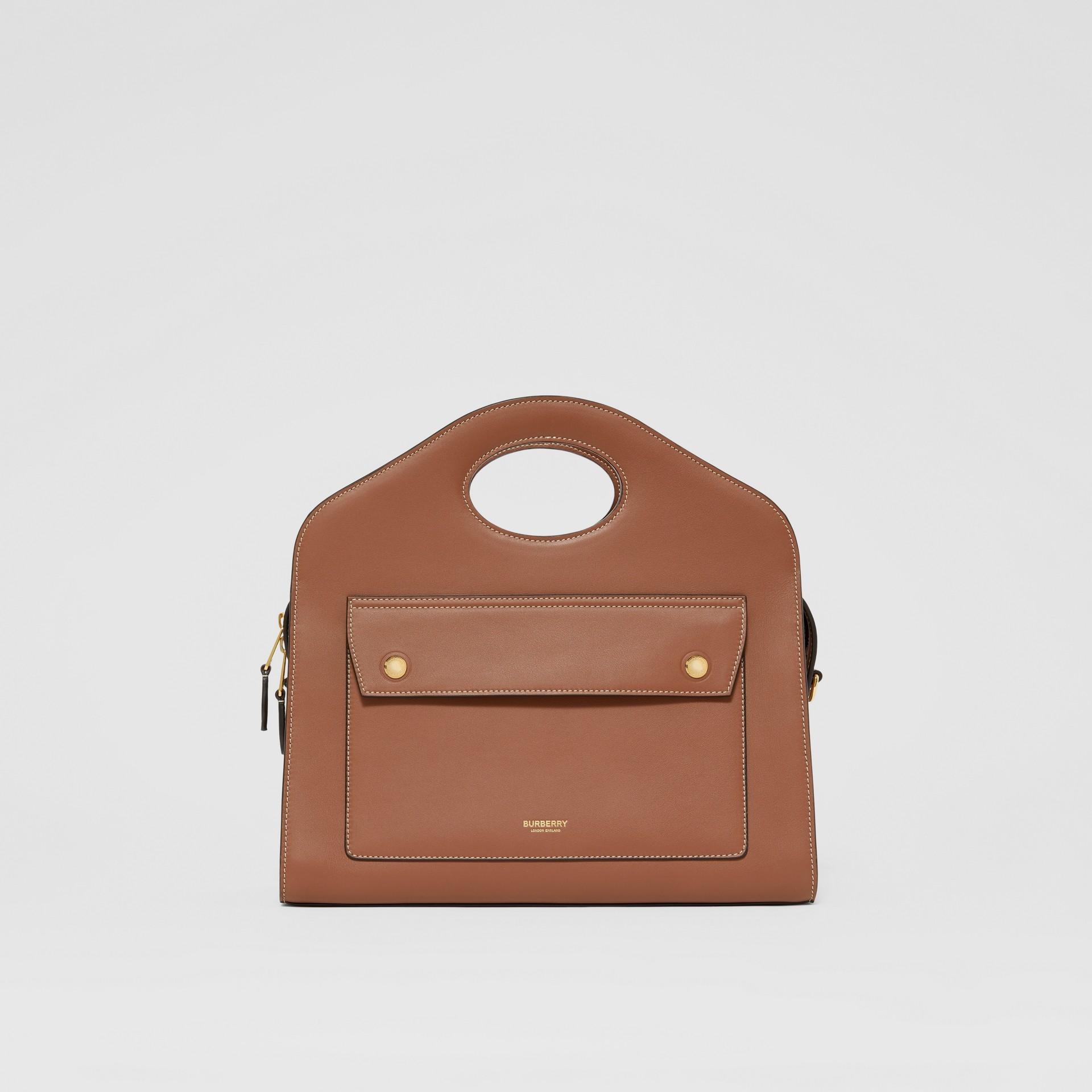 Petit cabas Pocket en cuir surpiqué (Brun Malt) - Femme | Burberry - photo de la galerie 0
