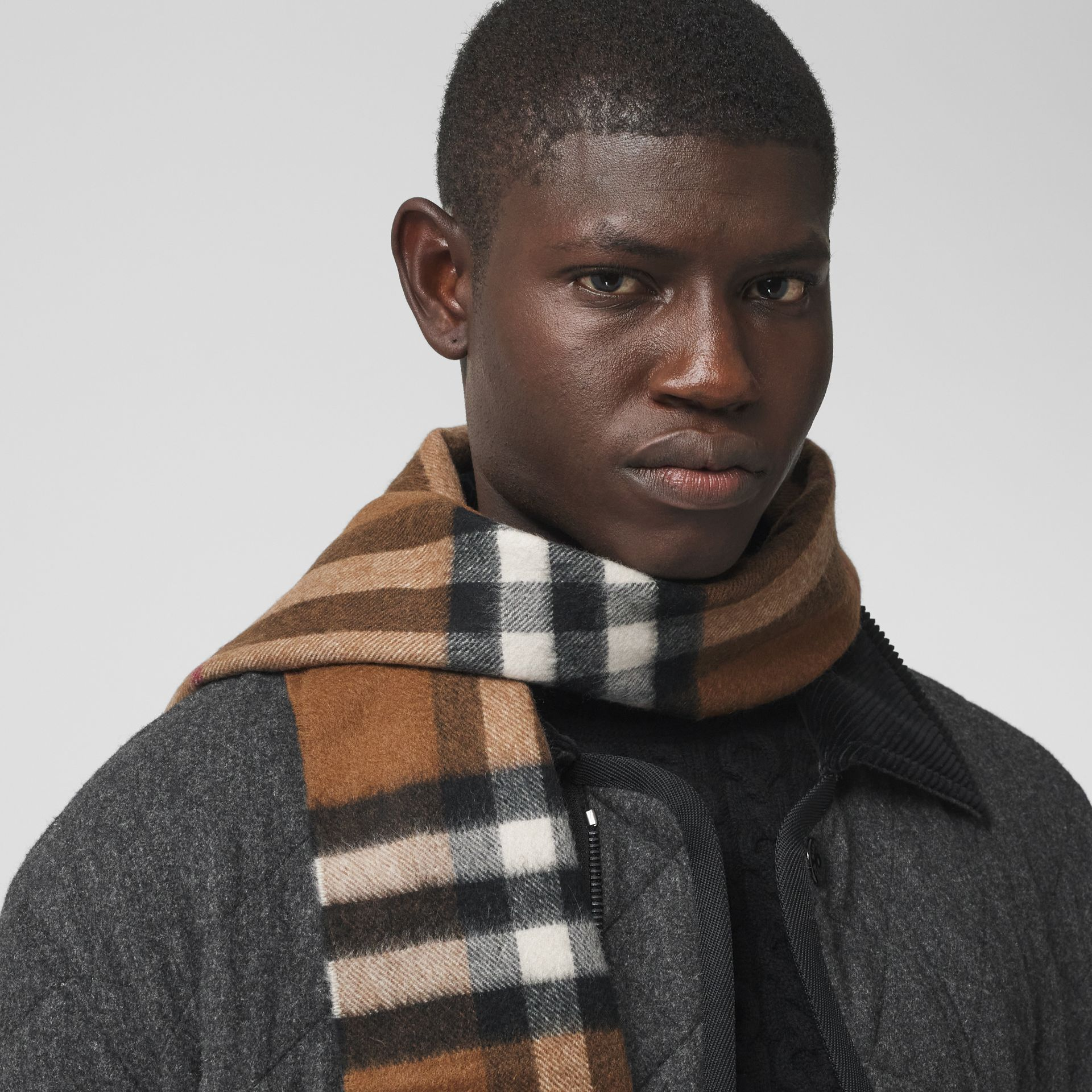 The Classic Check Cashmere Scarf in Birch Brown | Burberry - gallery image 3