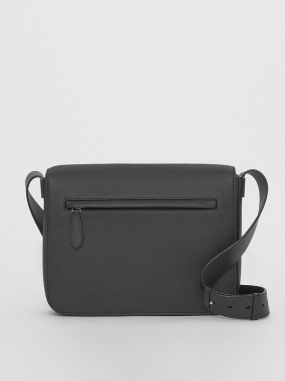 Kleine Messenger-Tasche aus genarbtem Leder (Schwarz)