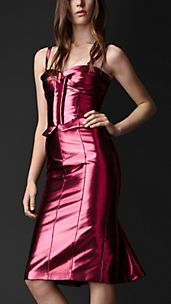 Kickback-Bustierkleid mit Metallic-Finish