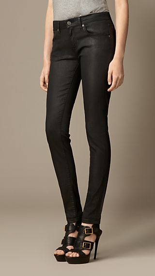 Skinny Fit Low-Rise Sprayed Jeans