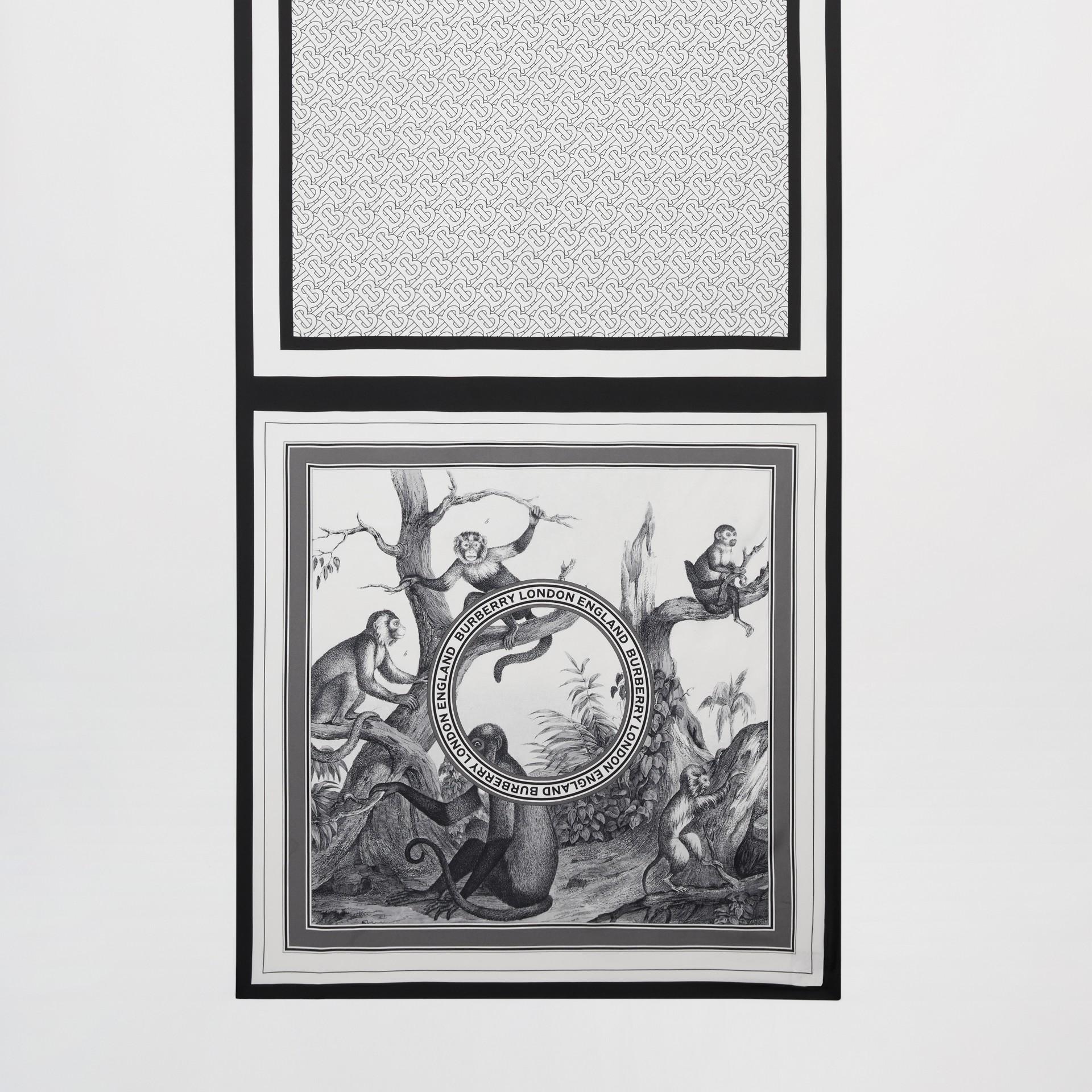 Foulard en soie à imprimé montage (Monochrome) | Burberry - photo de la galerie 3