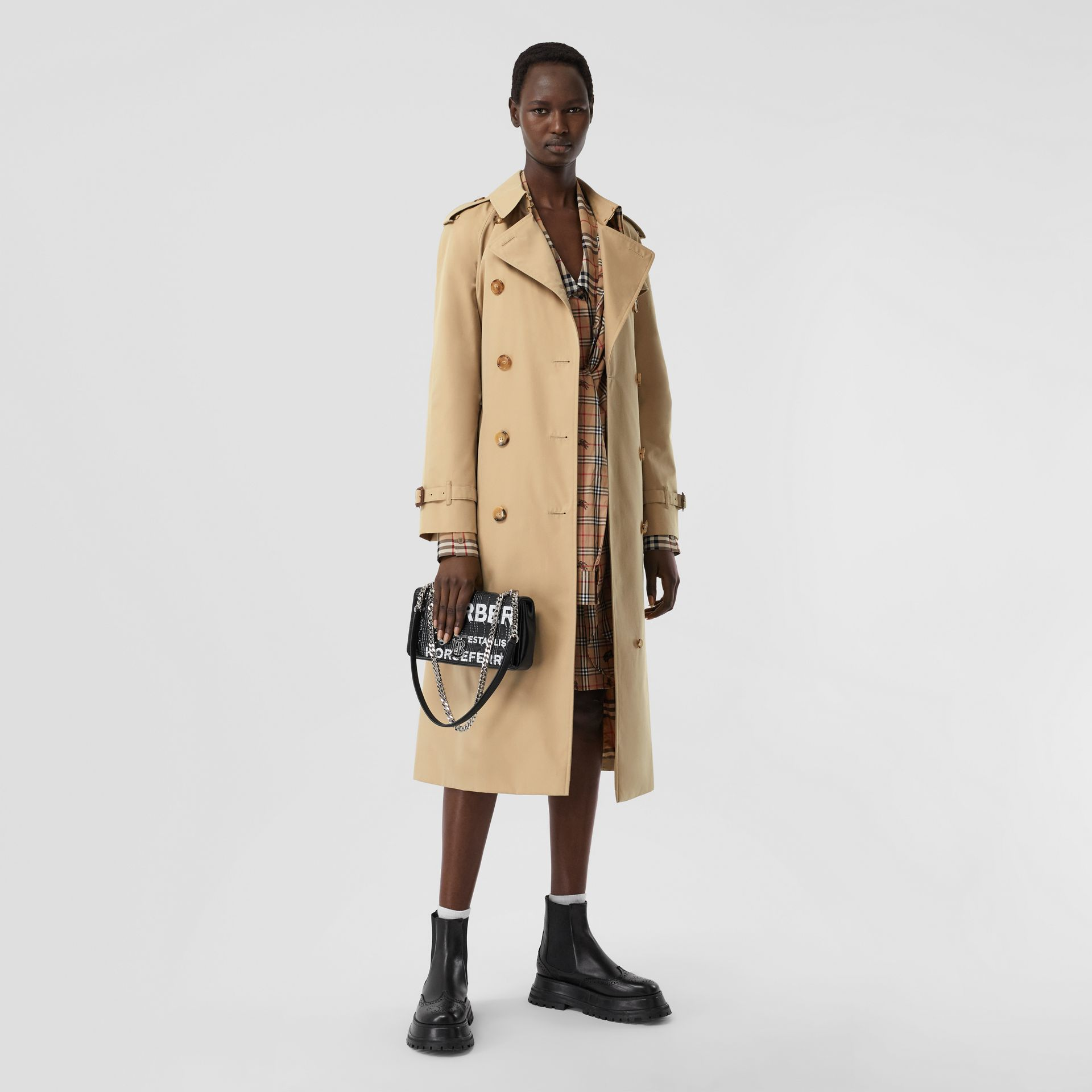 The Long Waterloo Heritage Trench Coat in Honey | Burberry - gallery image 1