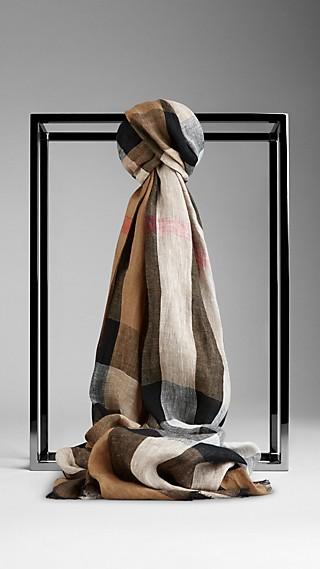 Schal mit Check-Muster aus Leinen