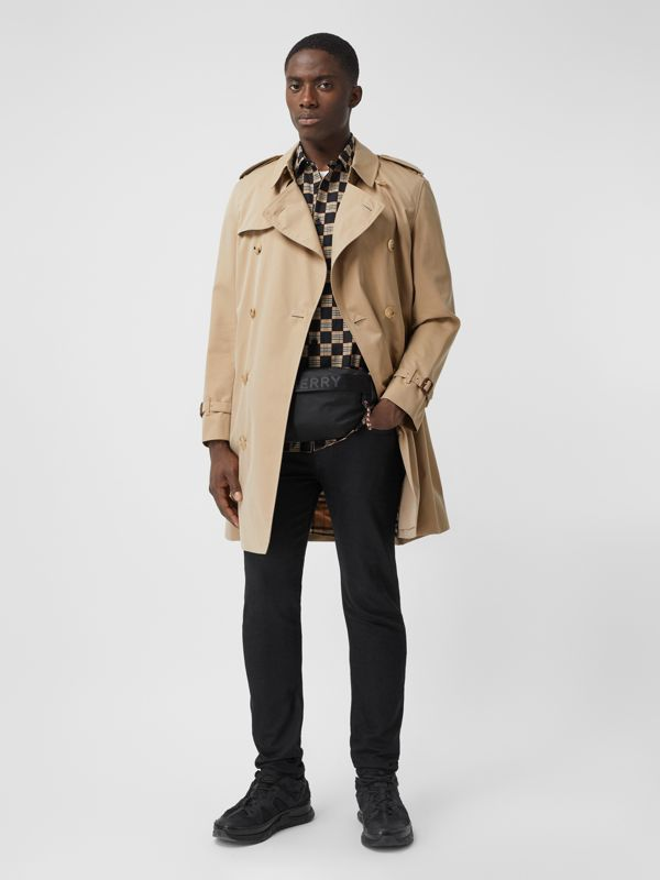 The Mid-length Chelsea Heritage Trench Coat in Honey - Men | Burberry Canada - cell image 2