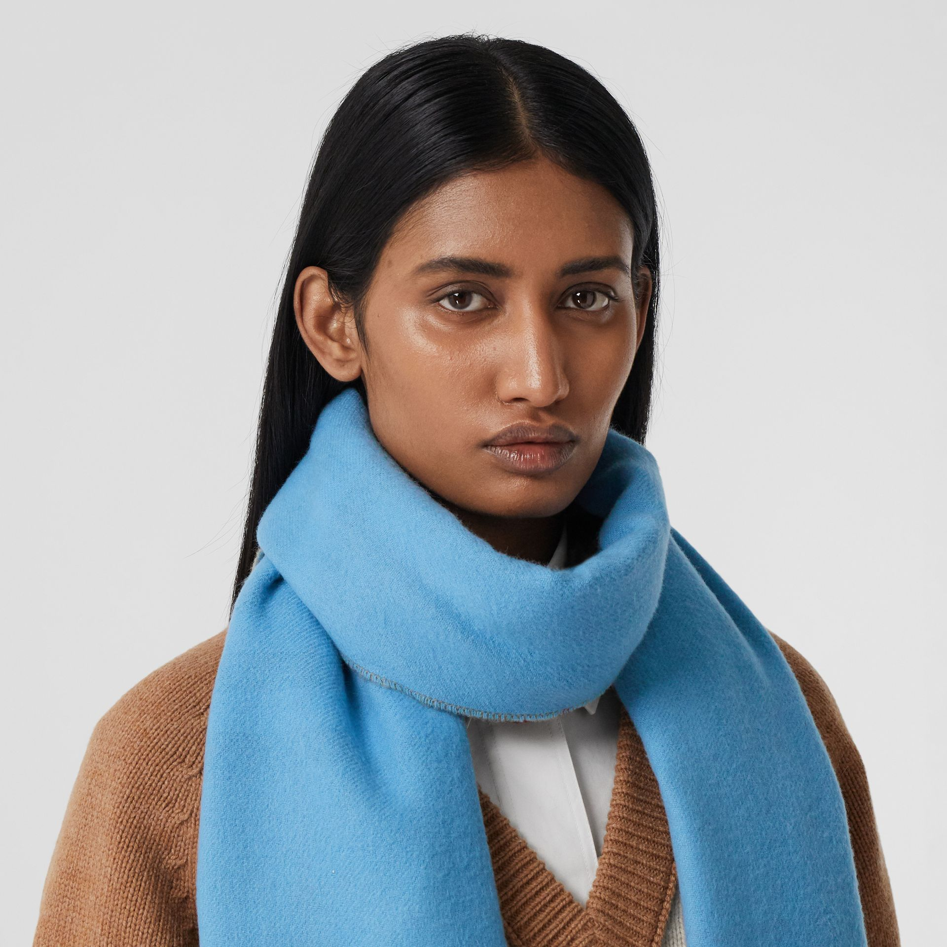Reversible Check Cashmere Scarf in Blue Topaz | Burberry - gallery image 2