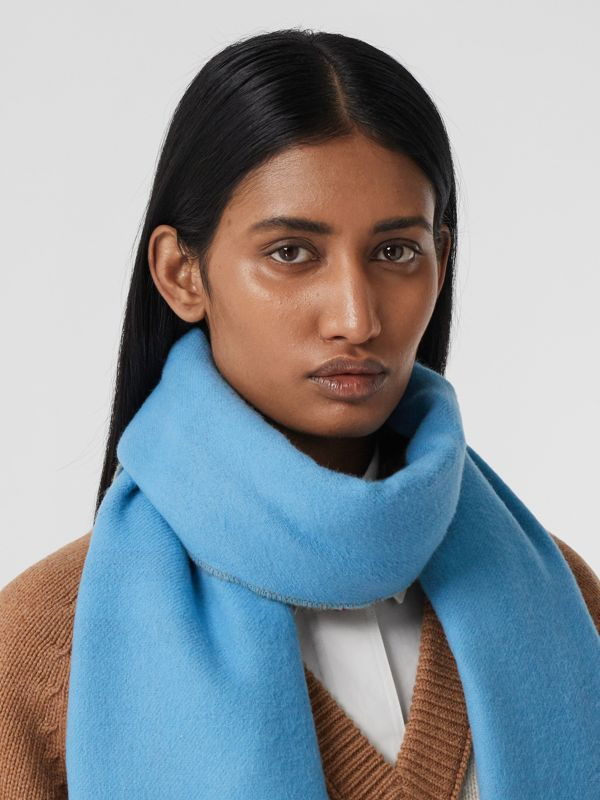 Reversible Check Cashmere Scarf in Blue Topaz | Burberry - cell image 2
