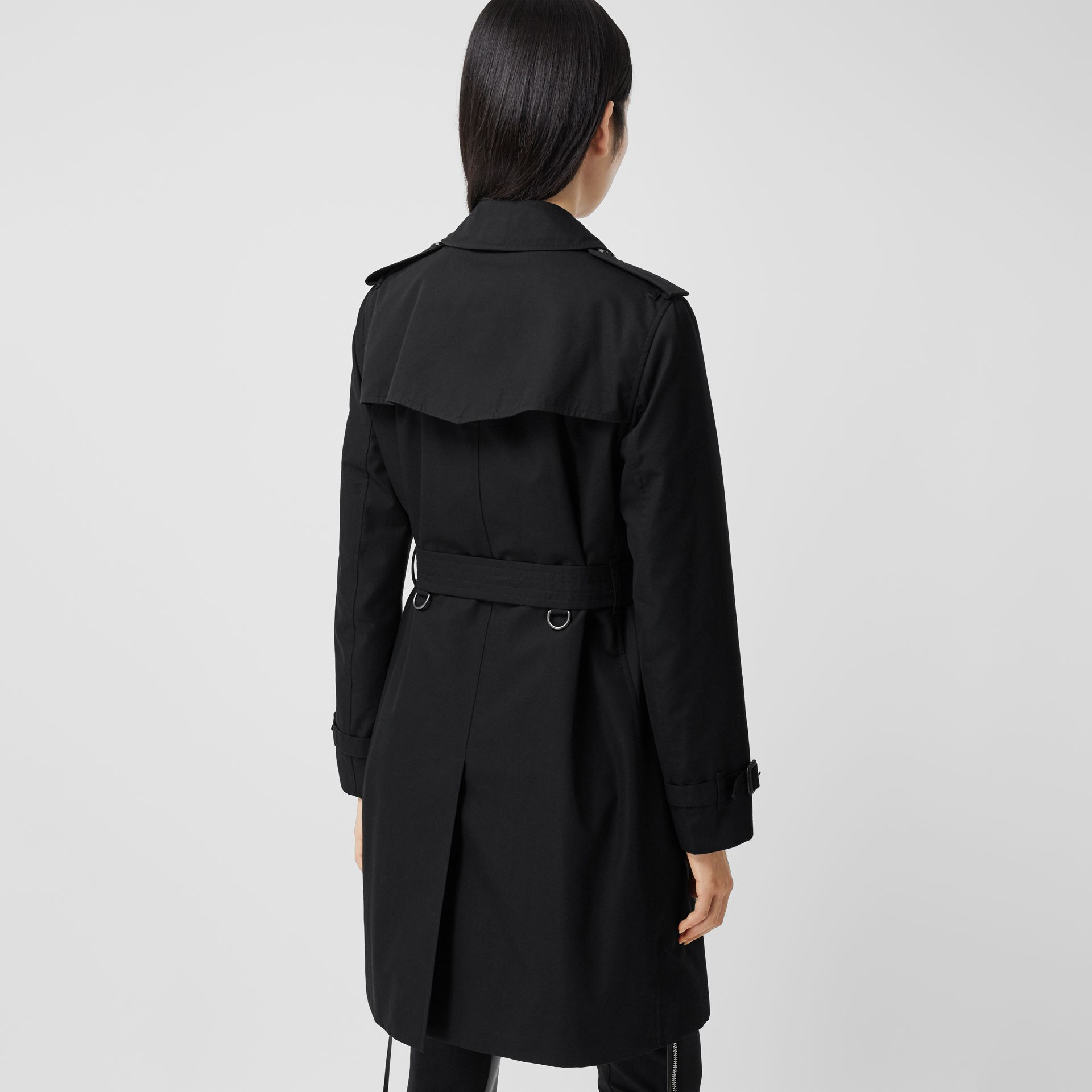The Mid-length Kensington Heritage Trench Coat in Black - Women | Burberry - gallery image 2