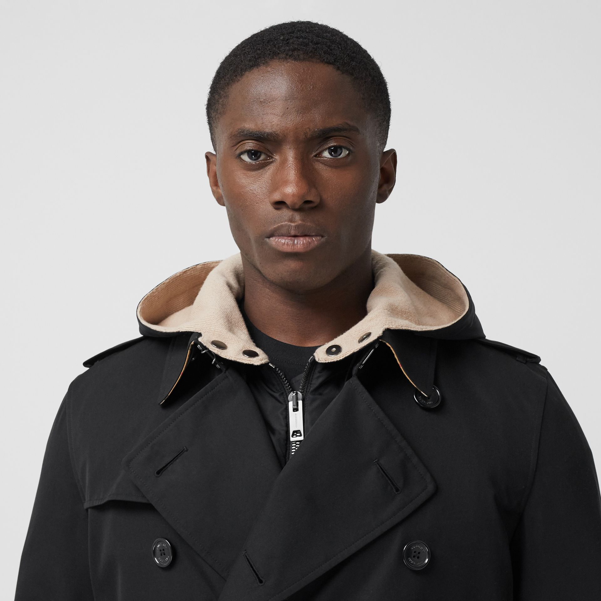 The Long Kensington Heritage Trench Coat in Black - Men | Burberry Australia - gallery image 5