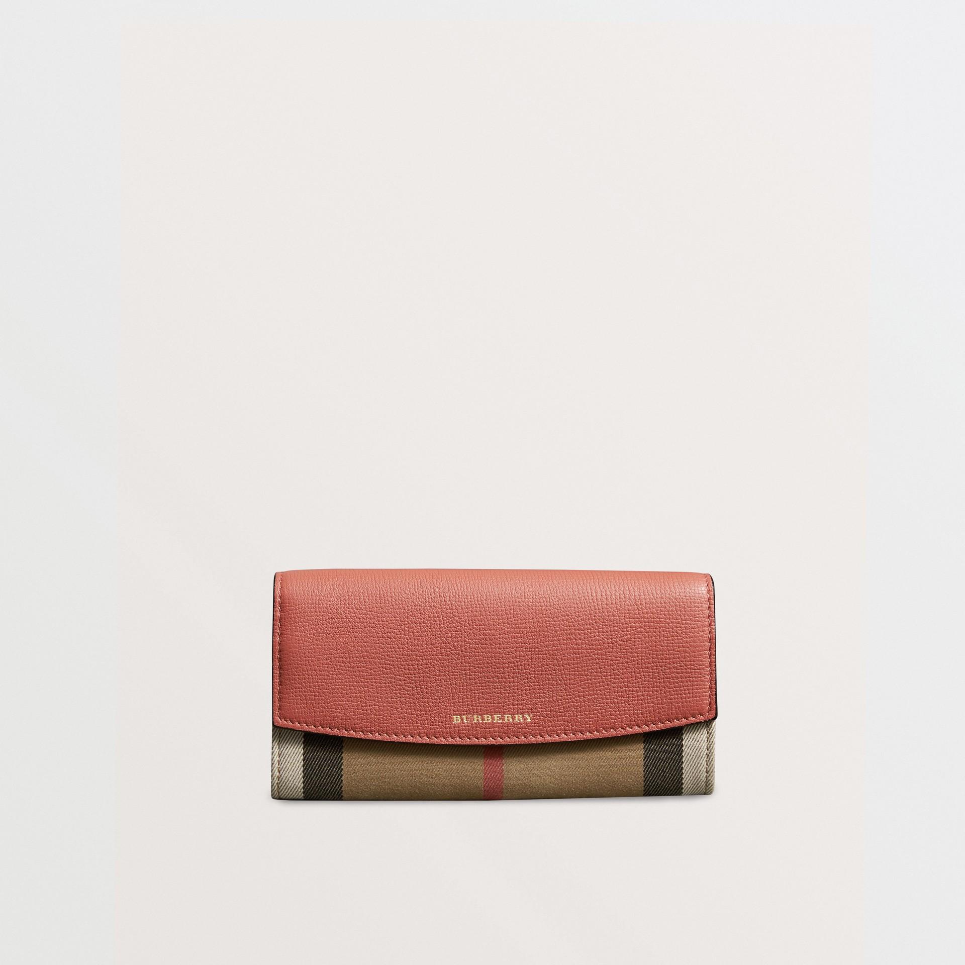 Carteira continental de couro com recorte House Check (Vermelho Canela) - Mulheres | Burberry - galeria de imagens 5