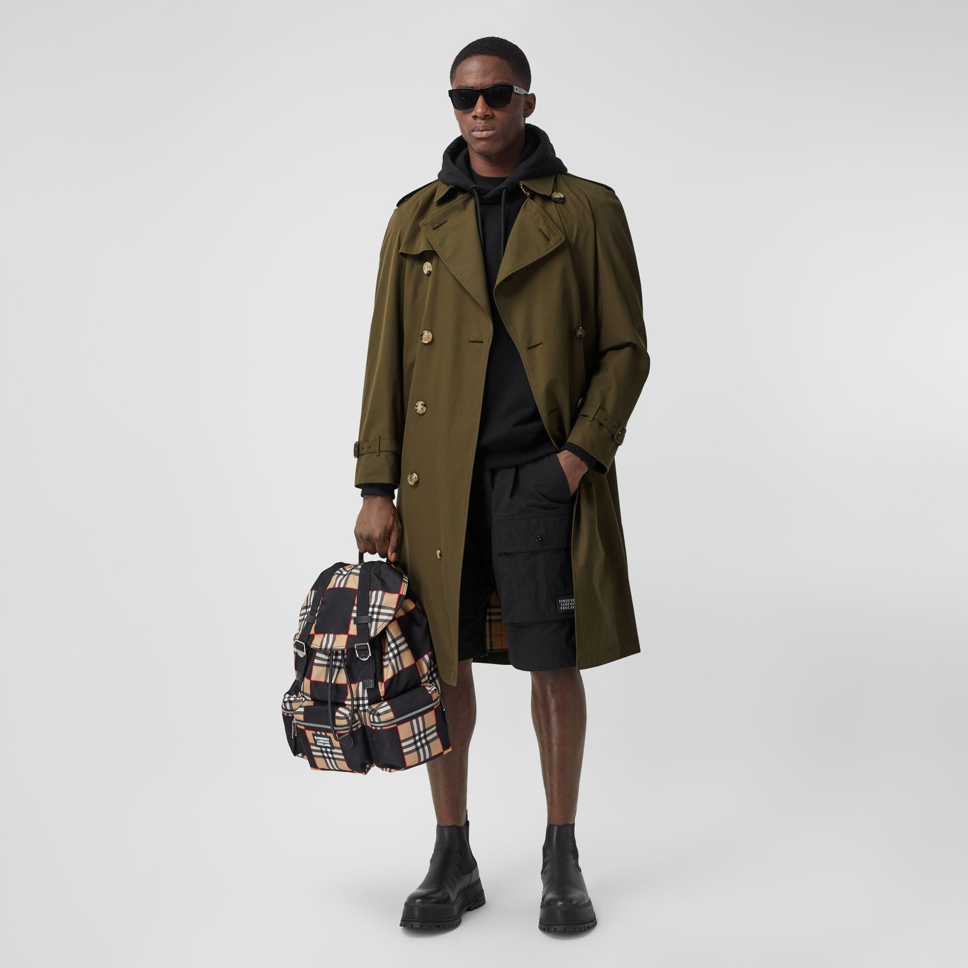 The Westminster Heritage Trench Coat in Dark Military Khaki - Men | Burberry United States - gallery image 6