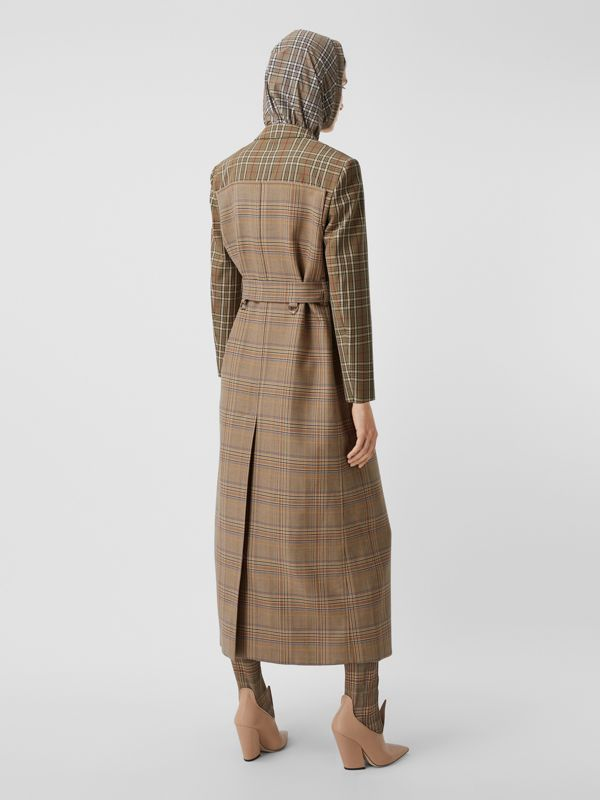Custom Fit Contrast Check Wool Cotton Trench Coat in Dark Honey - Women | Burberry - cell image 2