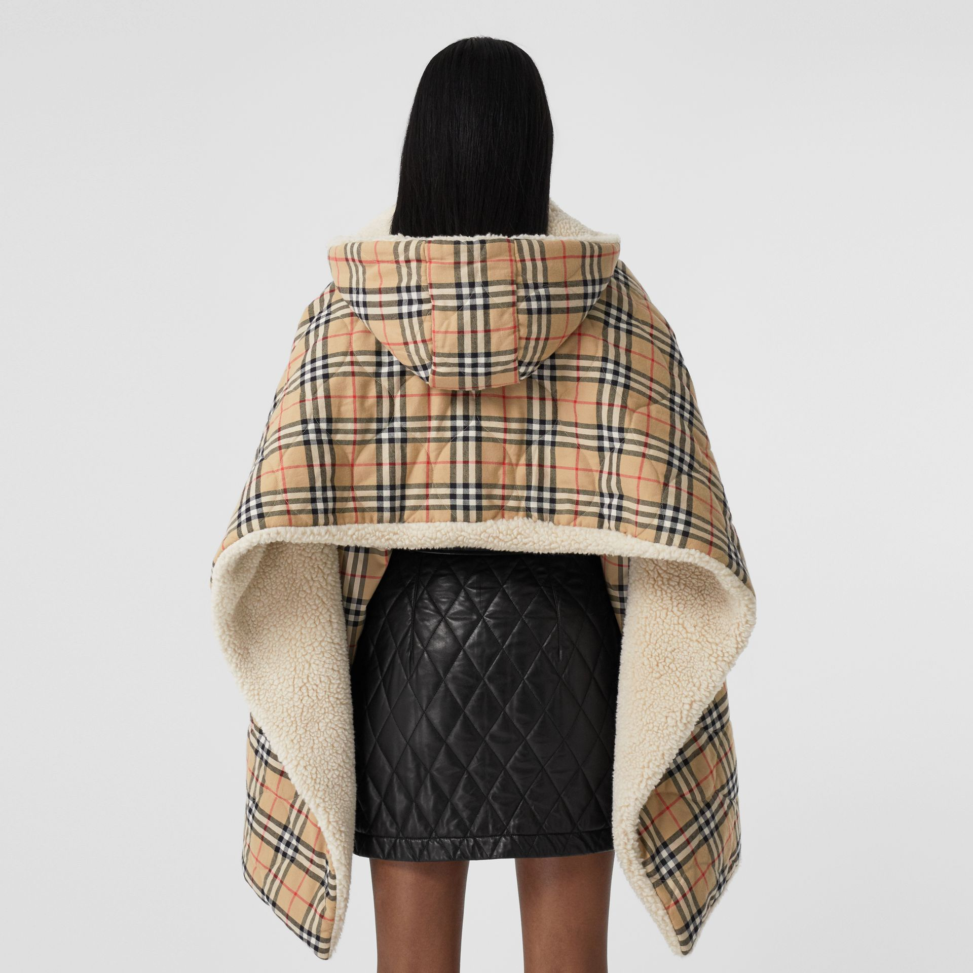 Fleece-lined Vintage Check Cotton Hooded Cape in Camel - Women | Burberry Canada - gallery image 2