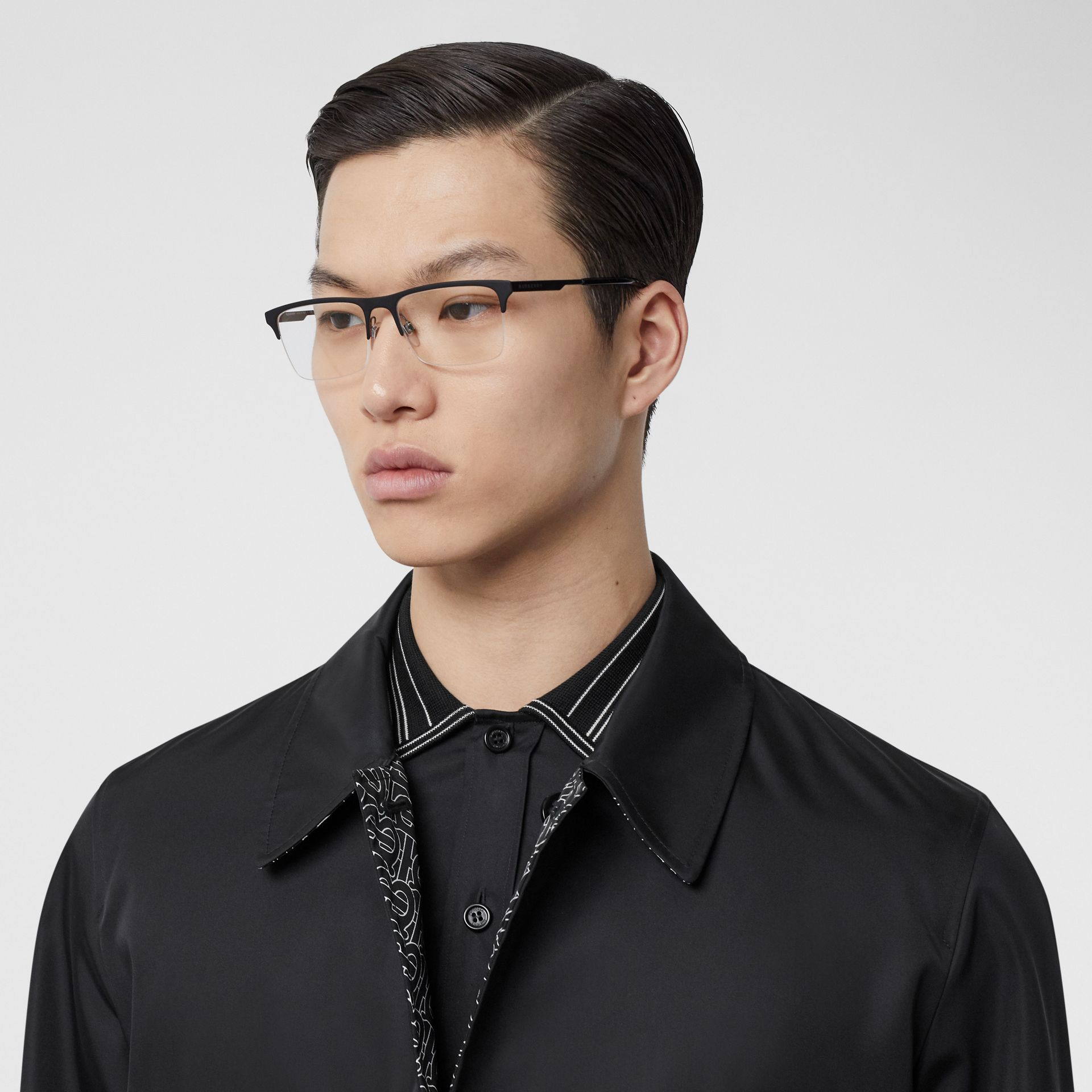 Óculos de grau com armação retangular (Preto Fosco) - Homens | Burberry - galeria de imagens 2