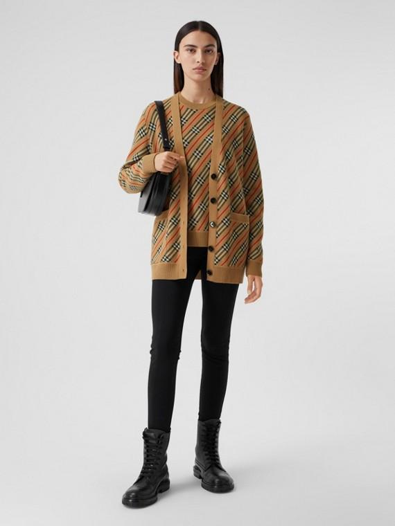 Cardigan in misto lana Merino con motivo a righe (Cammello)