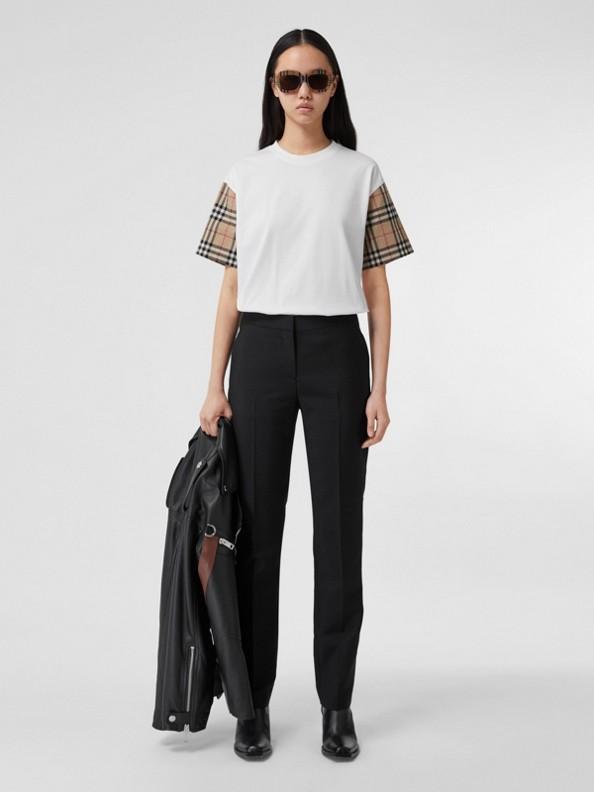 ヴィンテージチェック スリーブ コットン オーバーサイズTシャツ (ホワイト)
