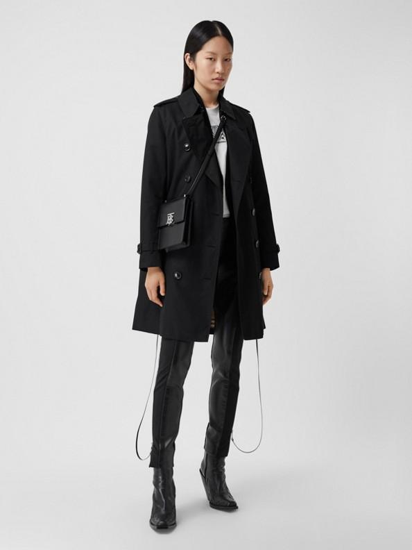 The Mid-length Kensington Heritage Trench Coat in Black
