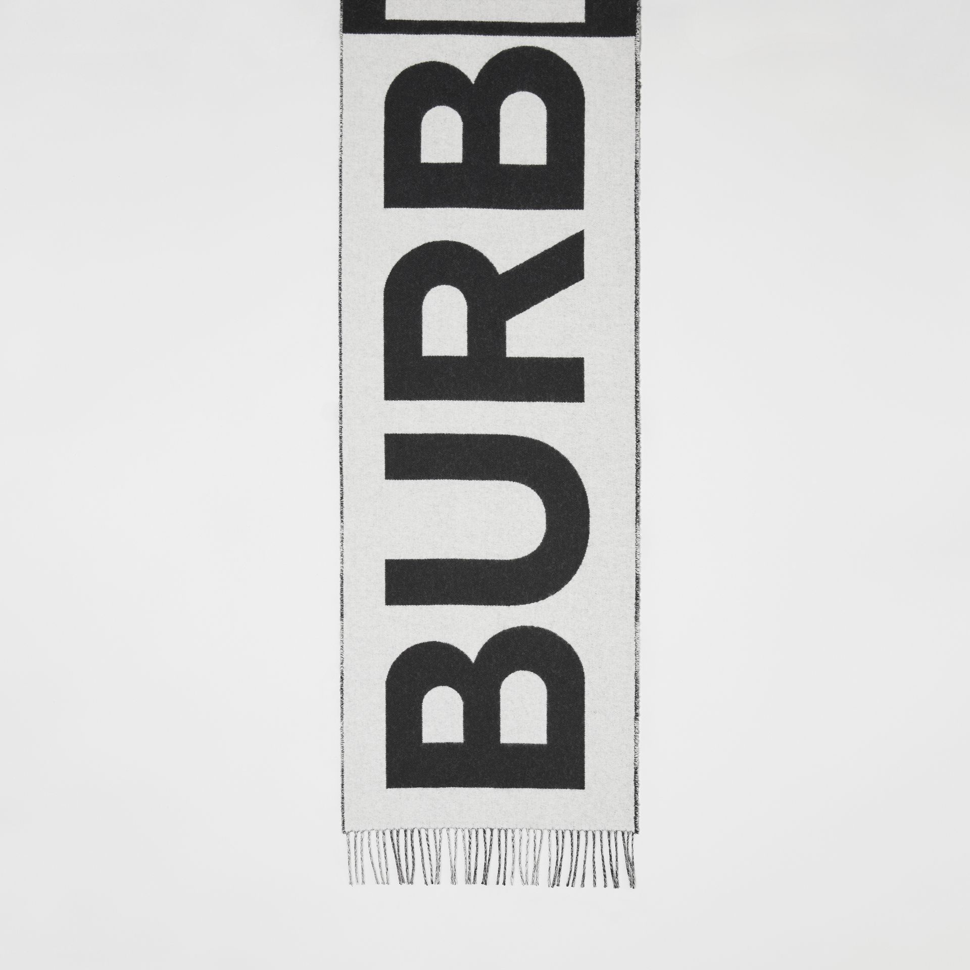 Reversible Check and Logo Cashmere Scarf in Black/white | Burberry - gallery image 4