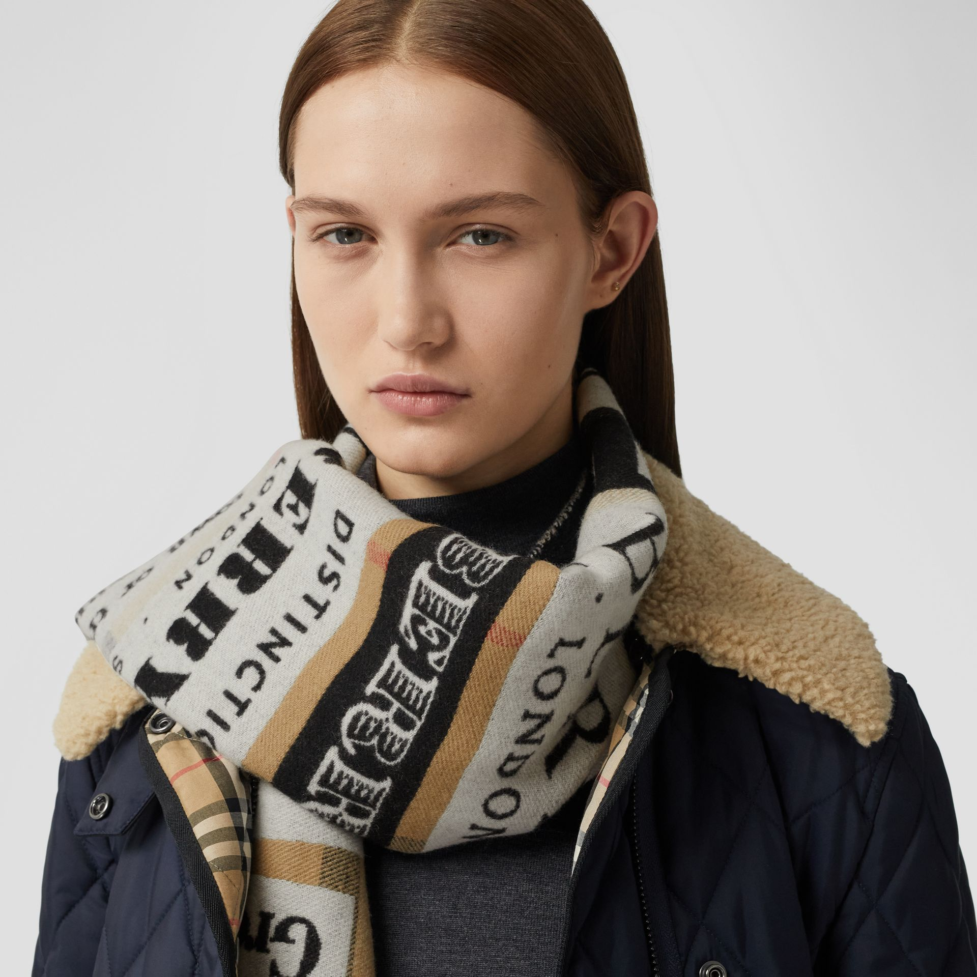 Archive Logo Cashmere Jacquard Scarf in Beige | Burberry - gallery image 2