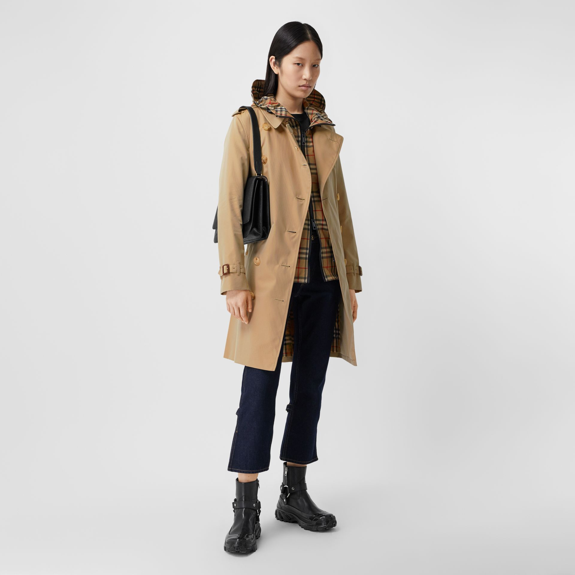 The Mid-length Kensington Heritage Trench Coat in Honey - Women | Burberry Hong Kong S.A.R. - gallery image 0