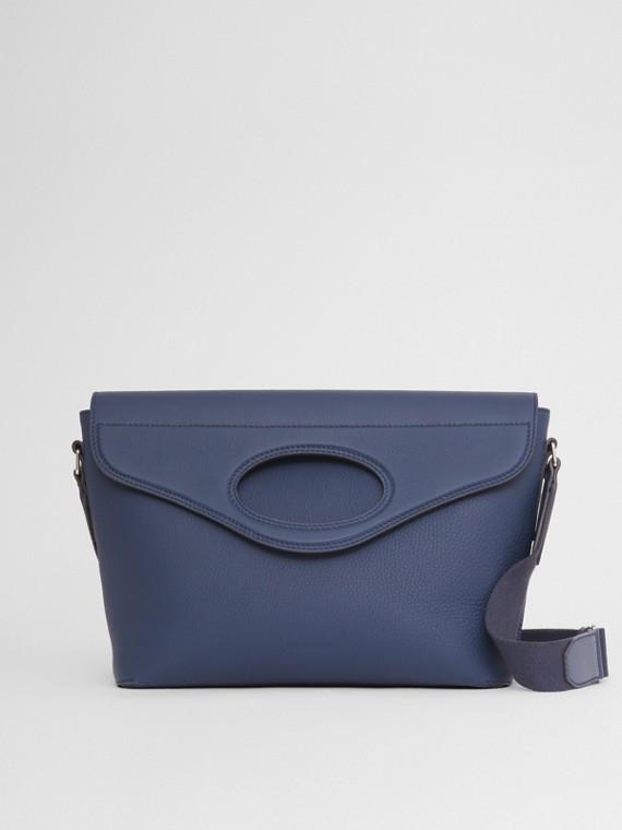 "Messenger-Tasche ""Pocket"" aus genarbtem Leder (Aschblau)"