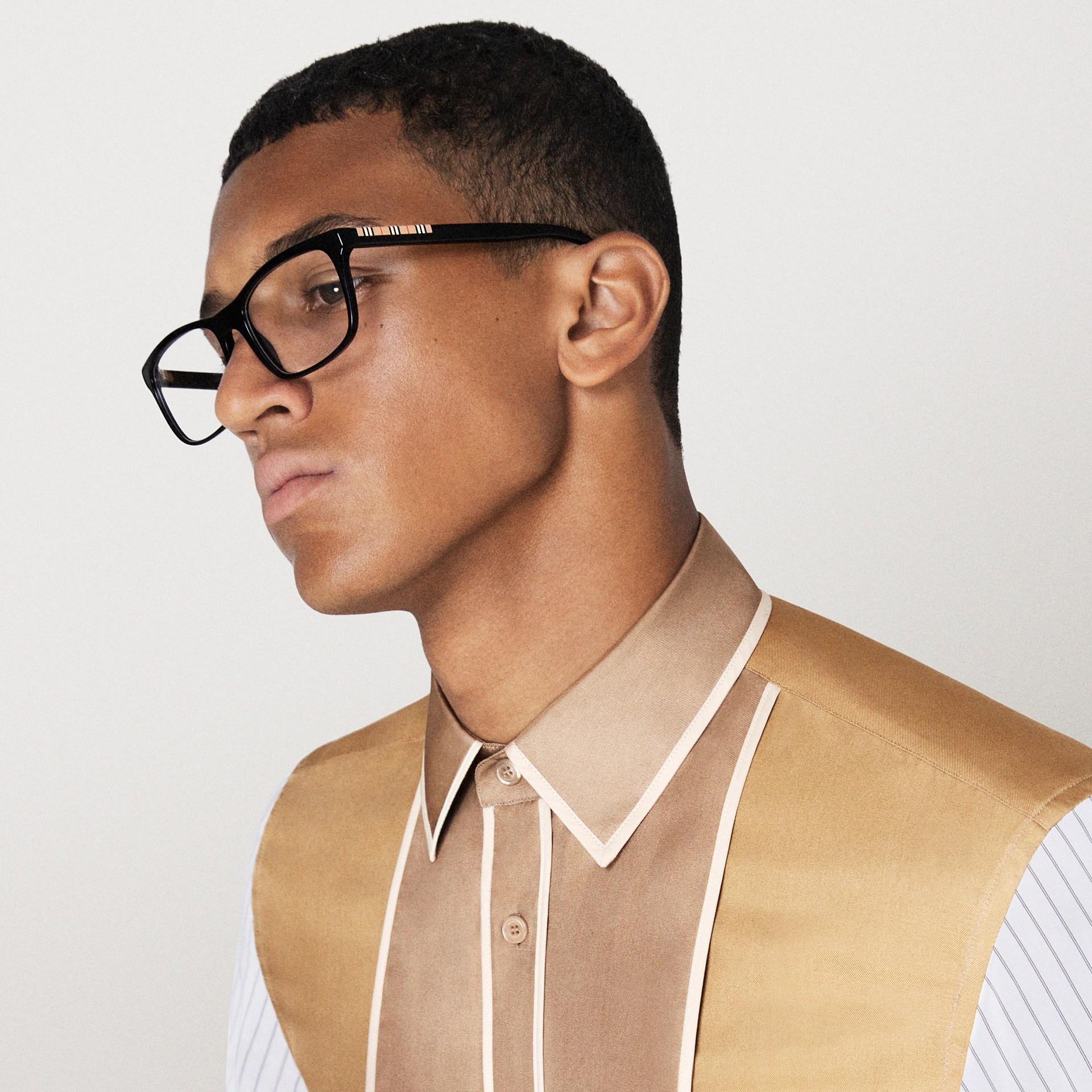 Montatura da vista rettangolare con iconico motivo a righe (Nero) - Uomo | Burberry - immagine della galleria 5