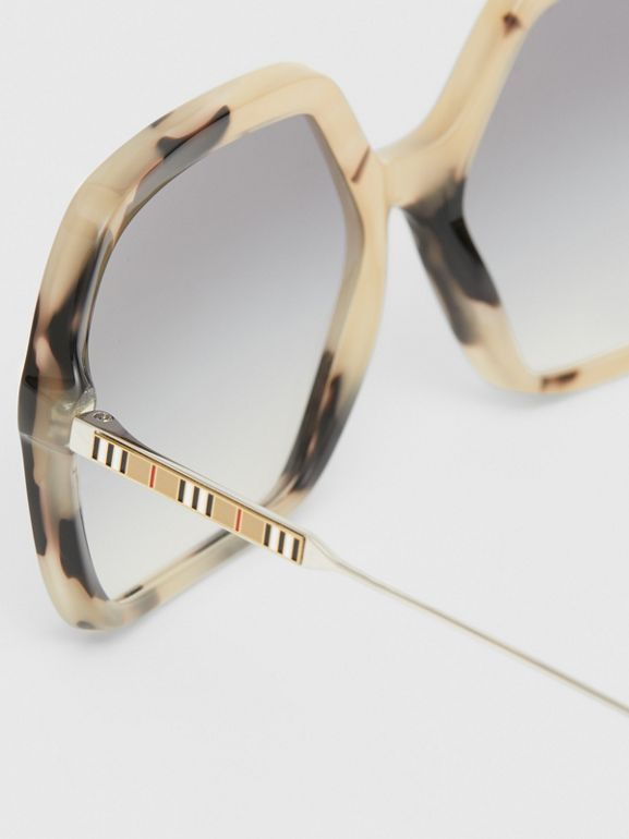 Oversized Square Frame Sunglasses in Honey Tortoiseshell - Women | Burberry - cell image 1