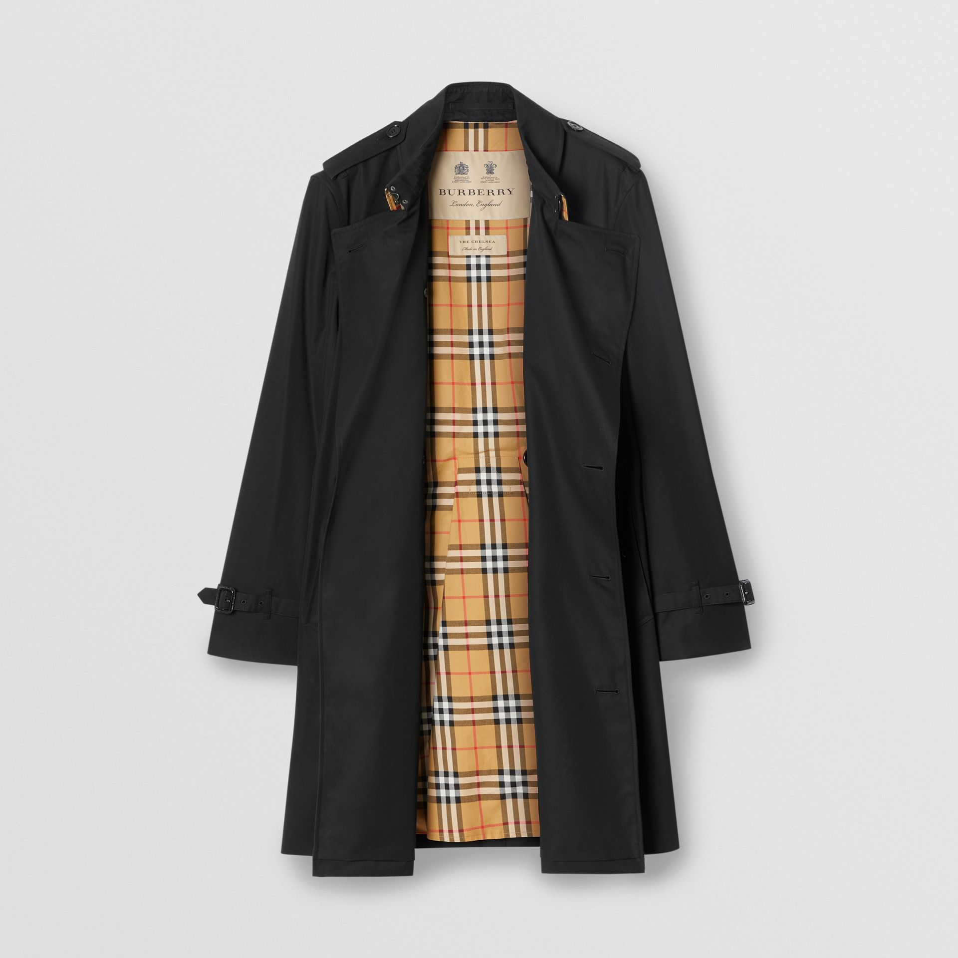 The Mid-length Chelsea Heritage Trench Coat in Black - Men | Burberry United Kingdom - gallery image 8