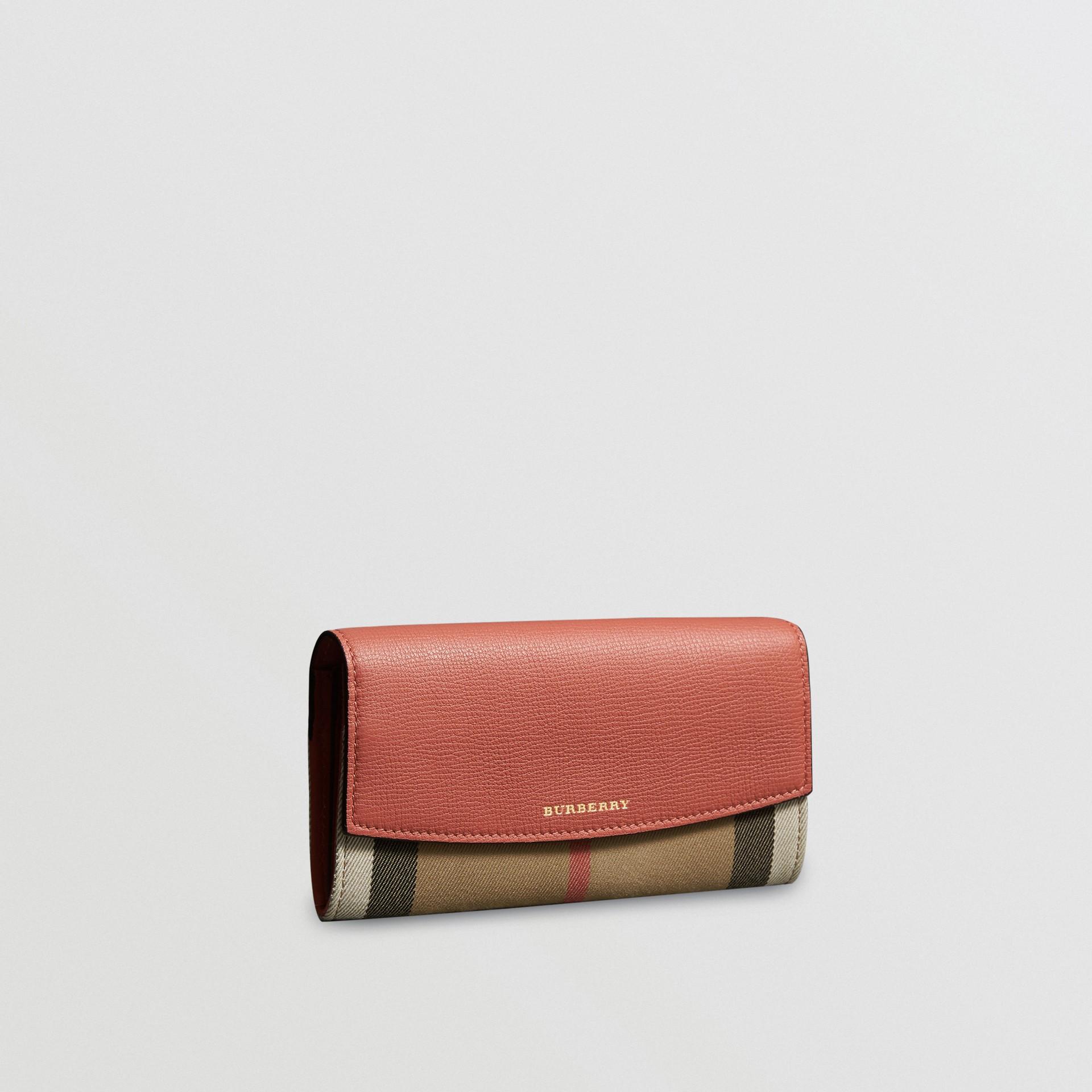 Carteira continental de couro com recorte House Check (Vermelho Canela) - Mulheres | Burberry - galeria de imagens 0