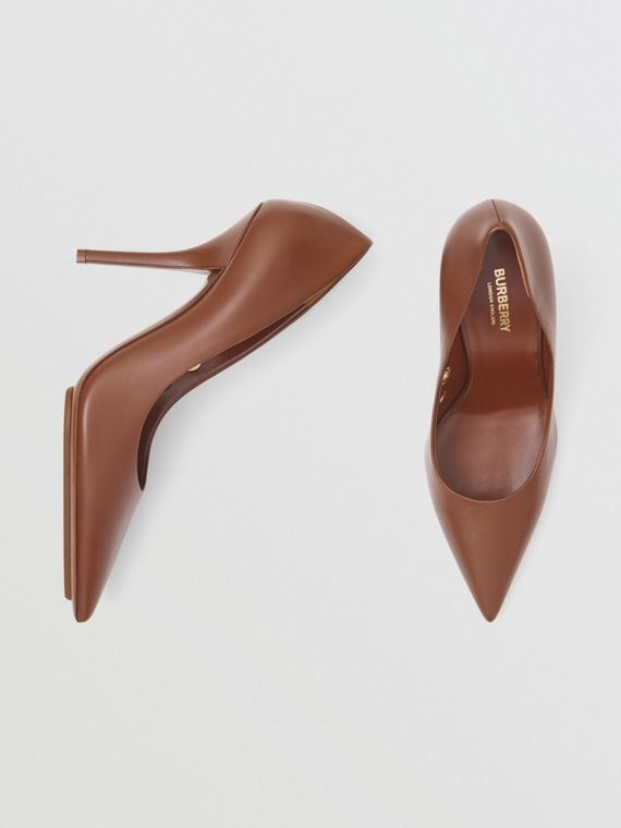 Eyelet Detail Leather Point-toe Pumps in Tan