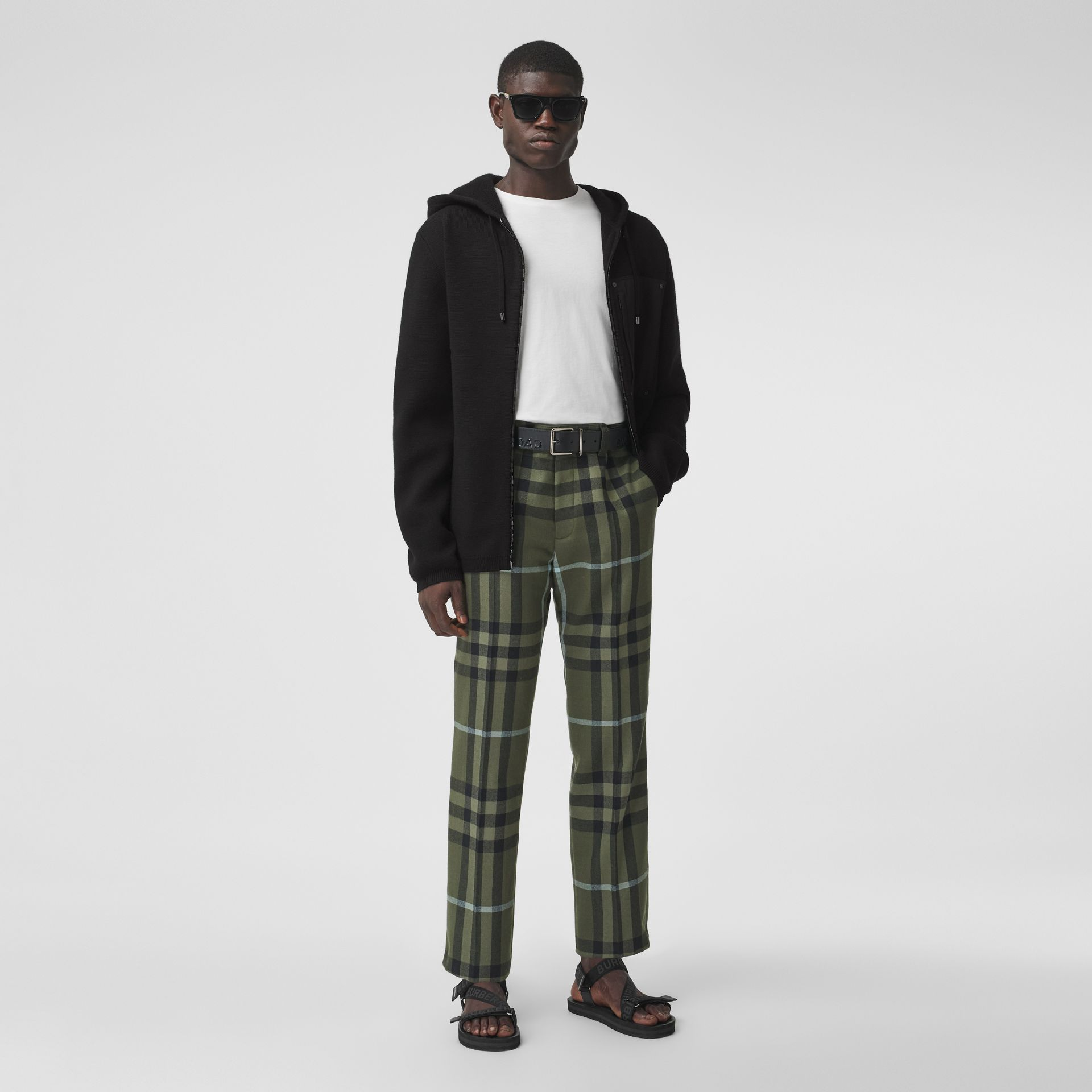 Contrast Pocket Wool Hooded Top in Black - Men | Burberry - gallery image 4