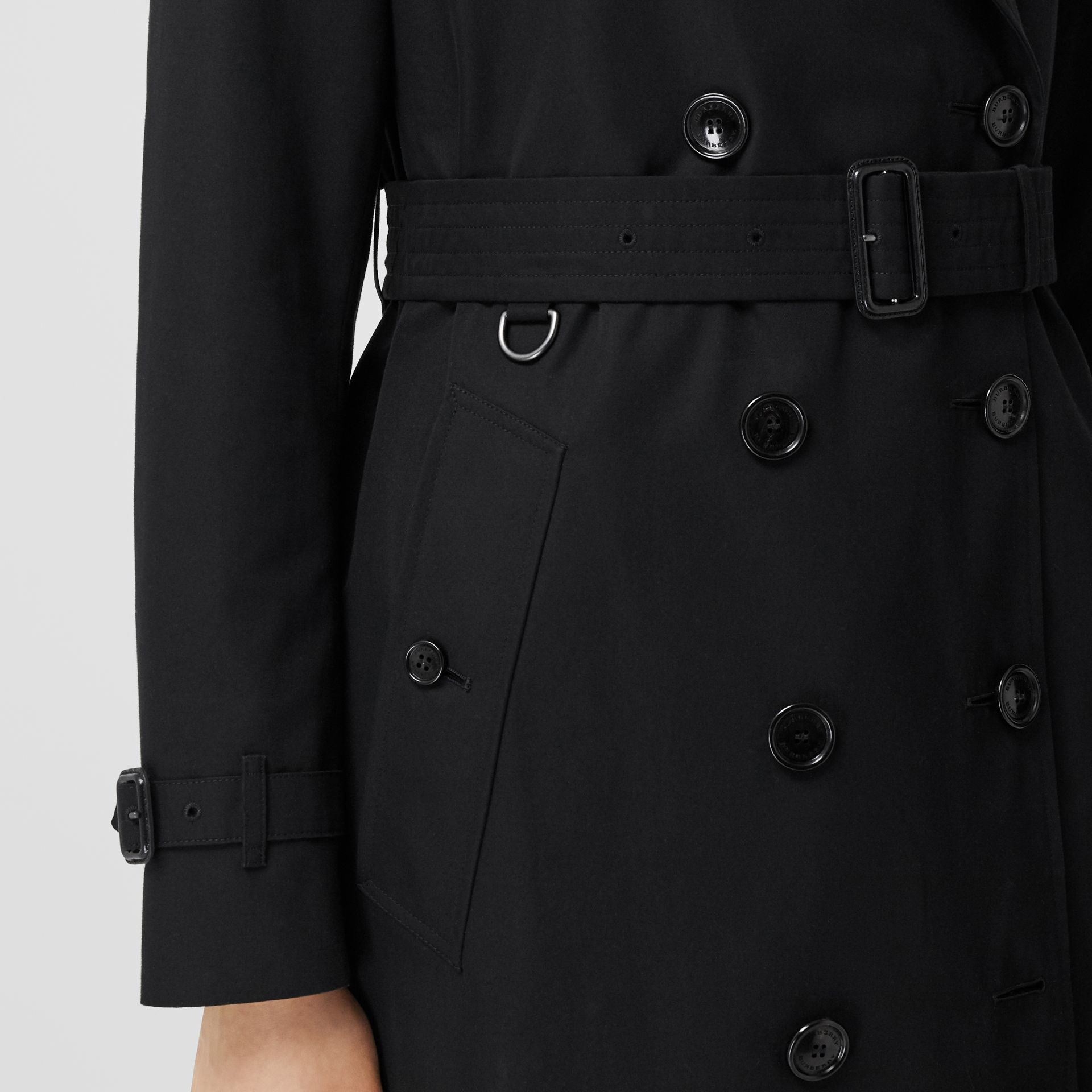 The Mid-length Kensington Heritage Trench Coat in Black - Women | Burberry - gallery image 5