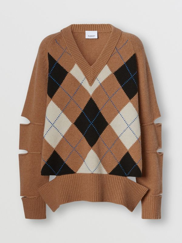 Cut-out Detail Argyle Intarsia Wool Cashmere Sweater in Camel - Women | Burberry - cell image 3