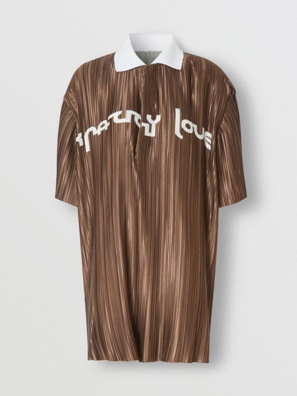 Polo plissé en satin avec slogan (Fauve Doux)