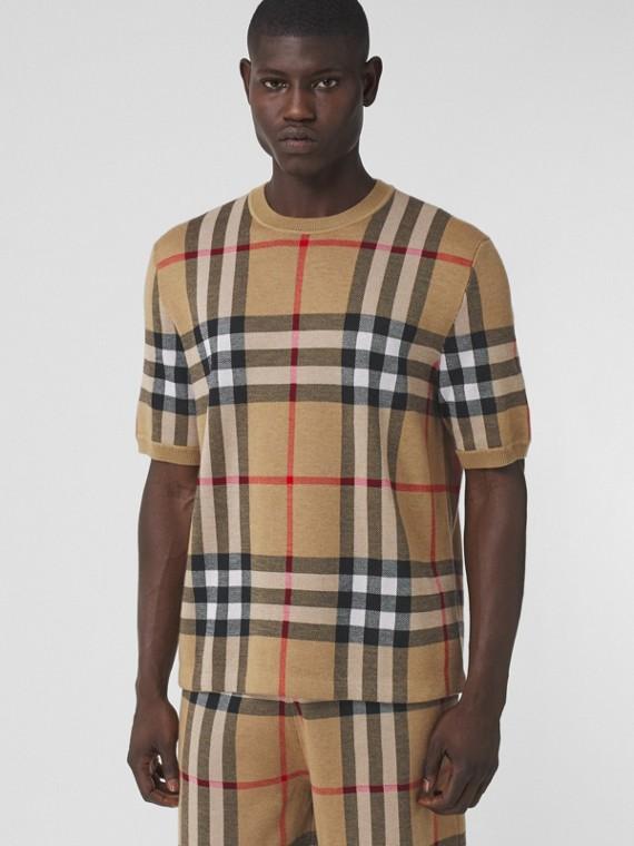 Blusa de mangas curtas em lã e seda com xadrez em jacquard (Bege Clássico)