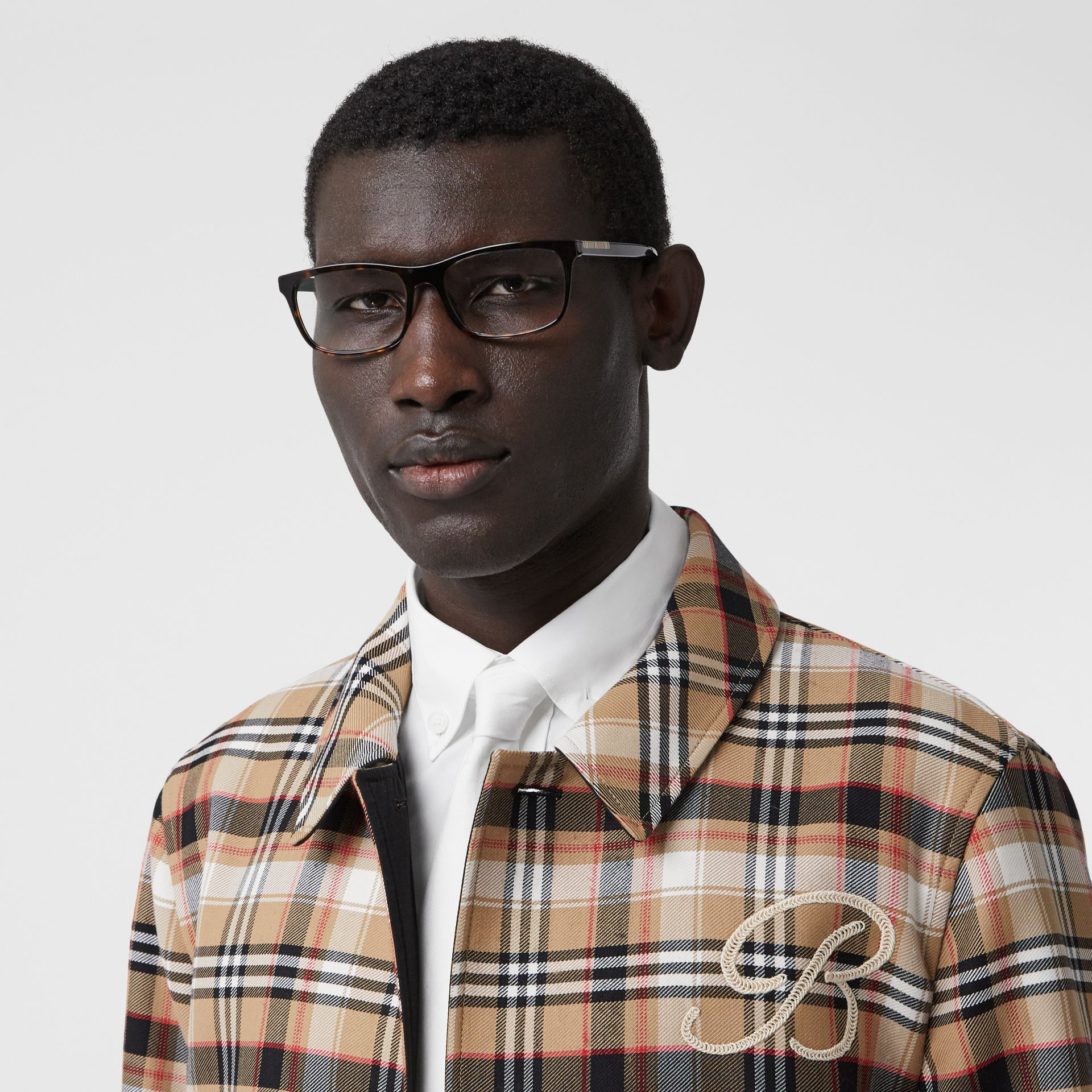 Icon Stripe Detail Rectangular Optical Frames in Tortoiseshell - Men | Burberry - gallery image 2