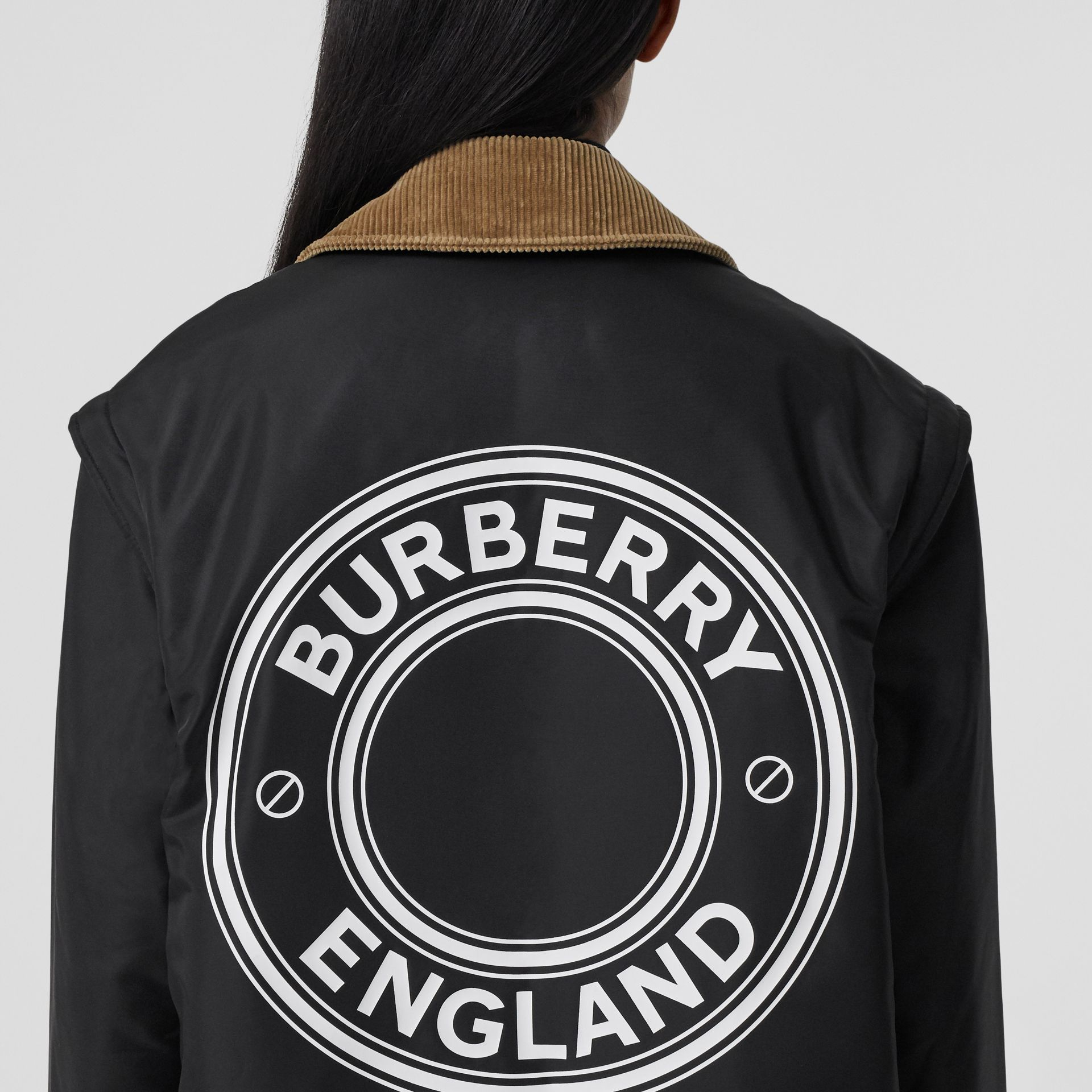 Detachable Sleeve Reversible Logo Graphic Jacket in Black - Women | Burberry Canada - gallery image 4