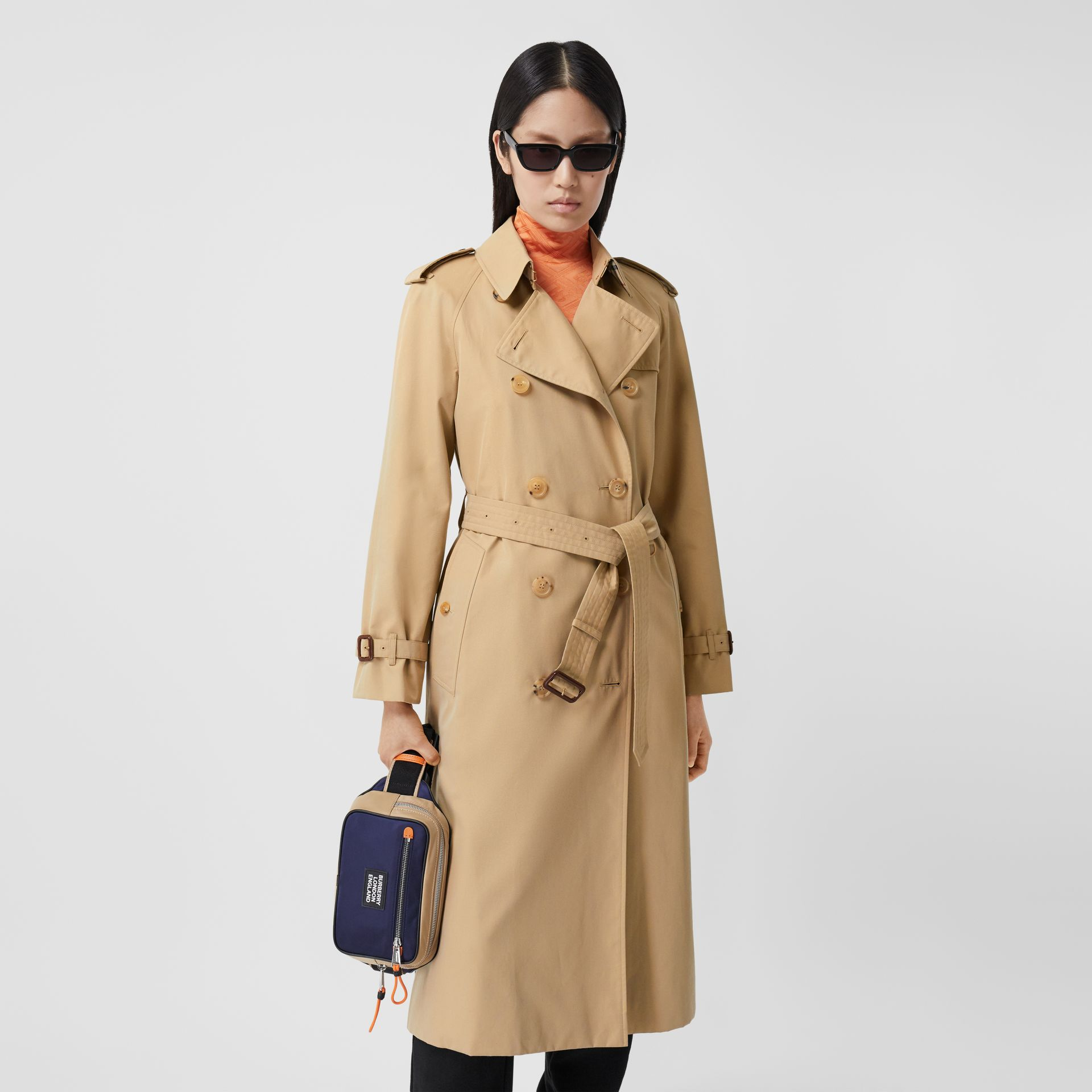 The Long Waterloo Heritage Trench Coat in Honey - Women | Burberry - gallery image 5