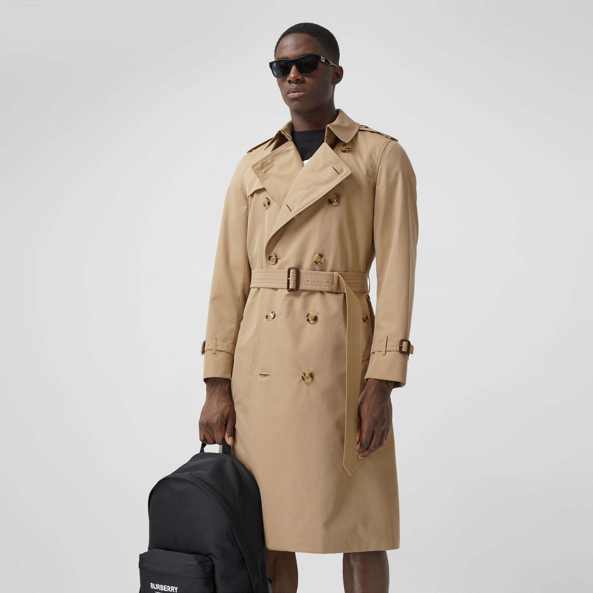 The Long Chelsea Heritage Trench Coat in Honey - Men | Burberry Canada - gallery image 6