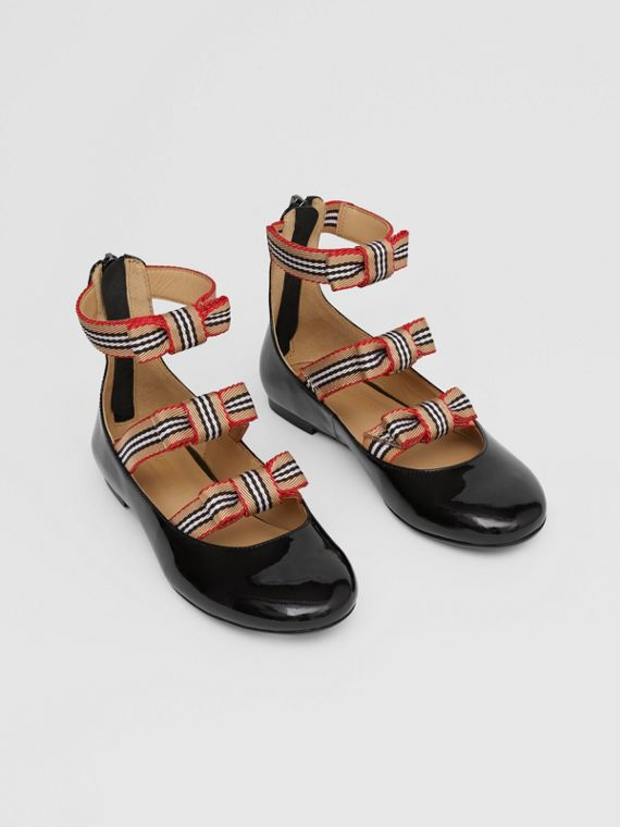 Icon Stripe Bow Patent Leather Shoes in Black