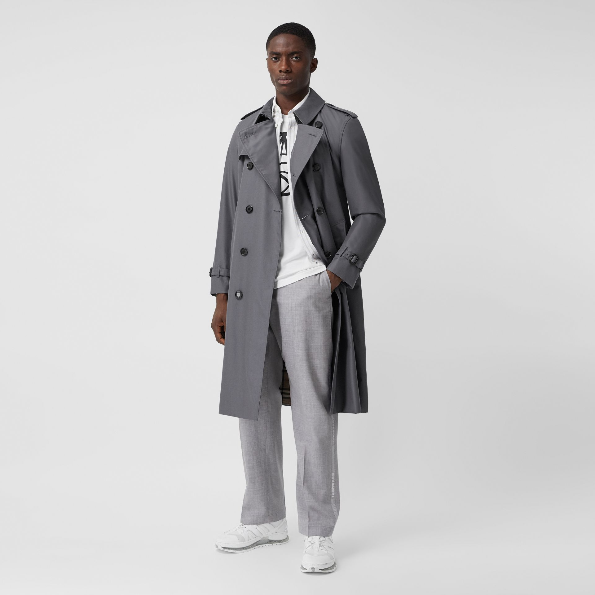 Trench Heritage long The Chelsea (Gris Moyen) - Homme | Burberry Canada - photo de la galerie 0