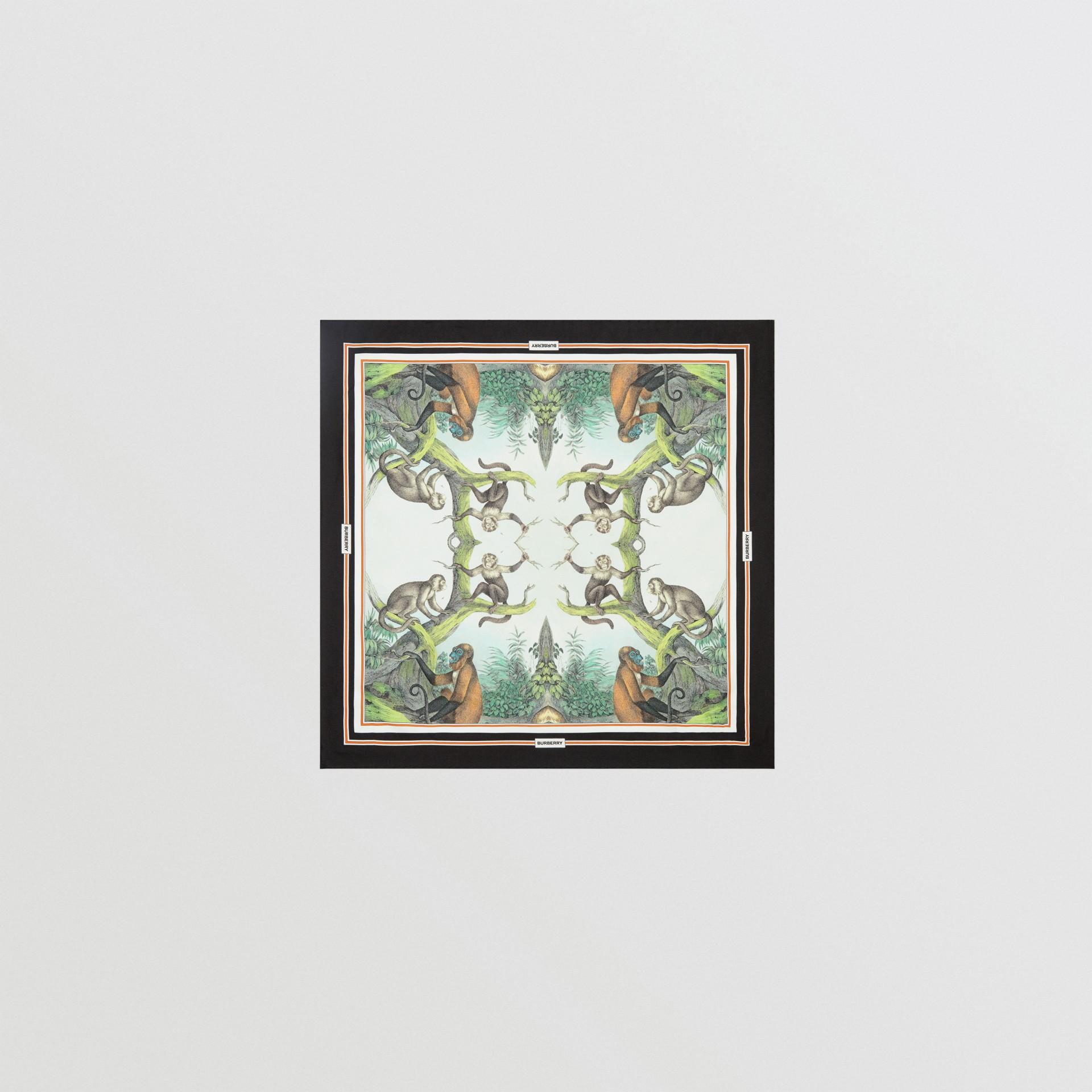猴子印花絲綢小型方巾 (淺蛋白石綠) | Burberry - 圖庫照片 0