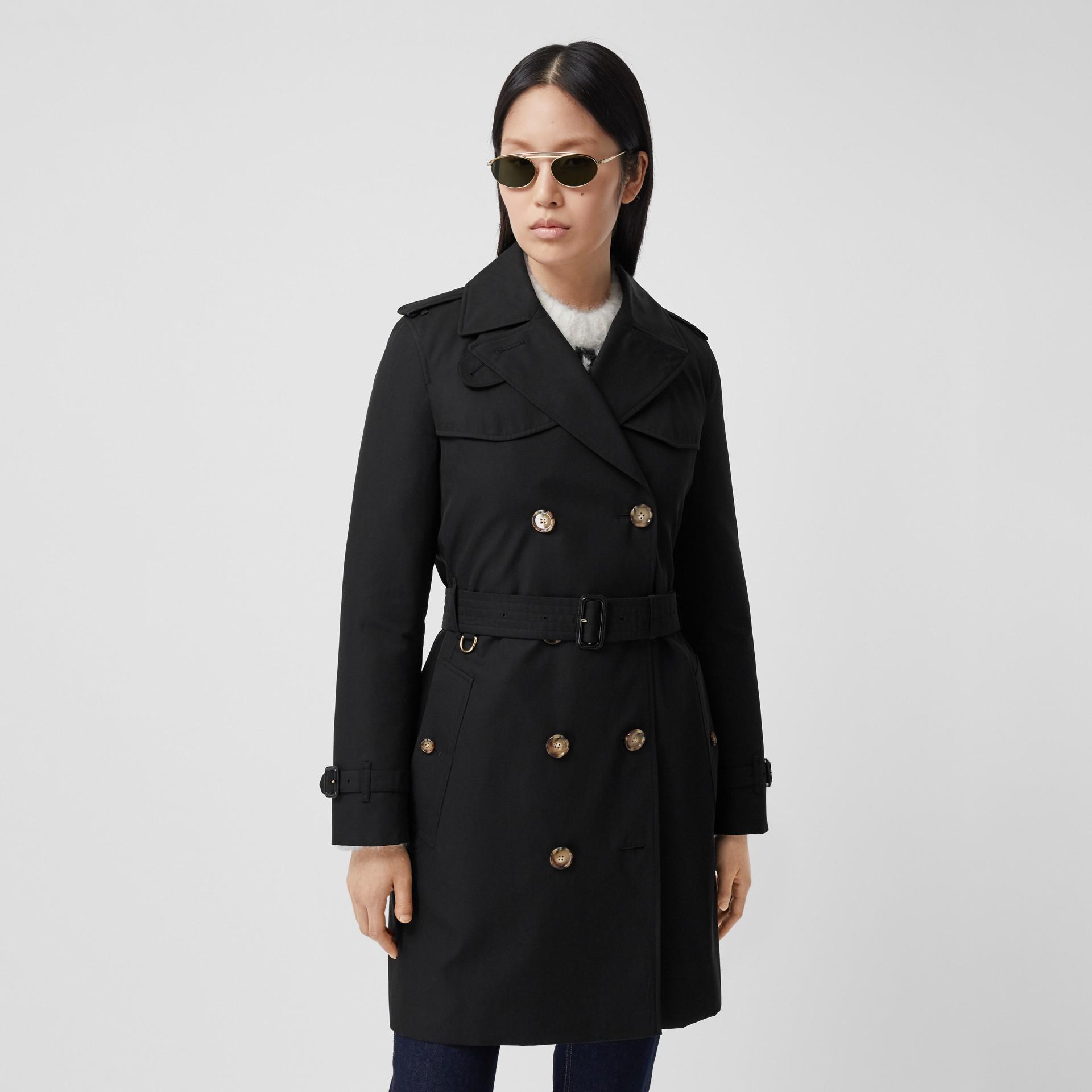 Trench coat Islington curto (Preto) - Mulheres   Burberry - galeria de imagens 6