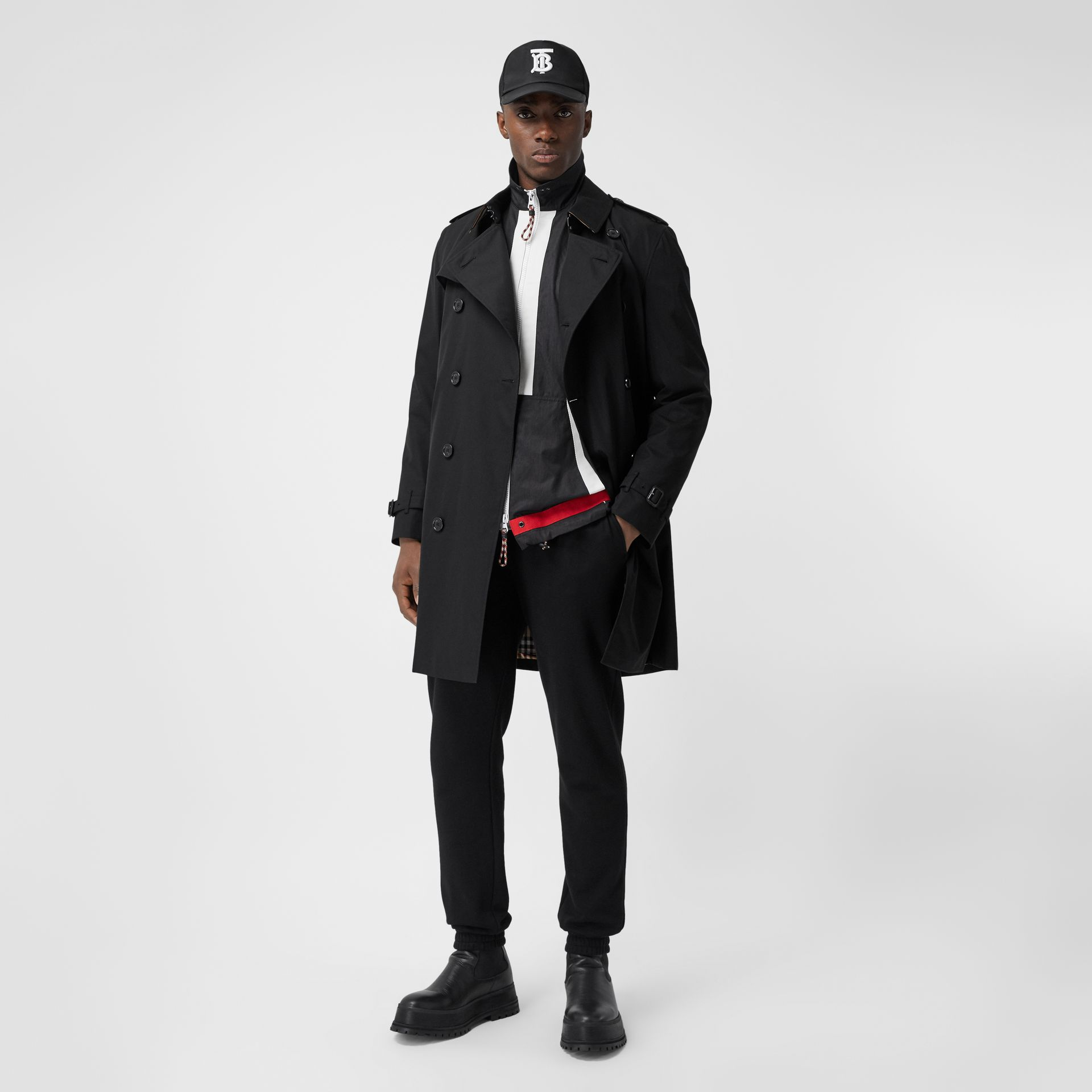 The Mid-length Kensington Heritage Trench Coat in Black - Men | Burberry Canada - gallery image 5