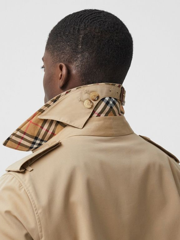 The Mid-length Chelsea Heritage Trench Coat in Honey - Men | Burberry Canada - cell image 1