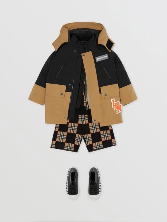 Zweifarbige Jacke mit herausnehmbarem Futter im Streifendesign (Antikgelb)