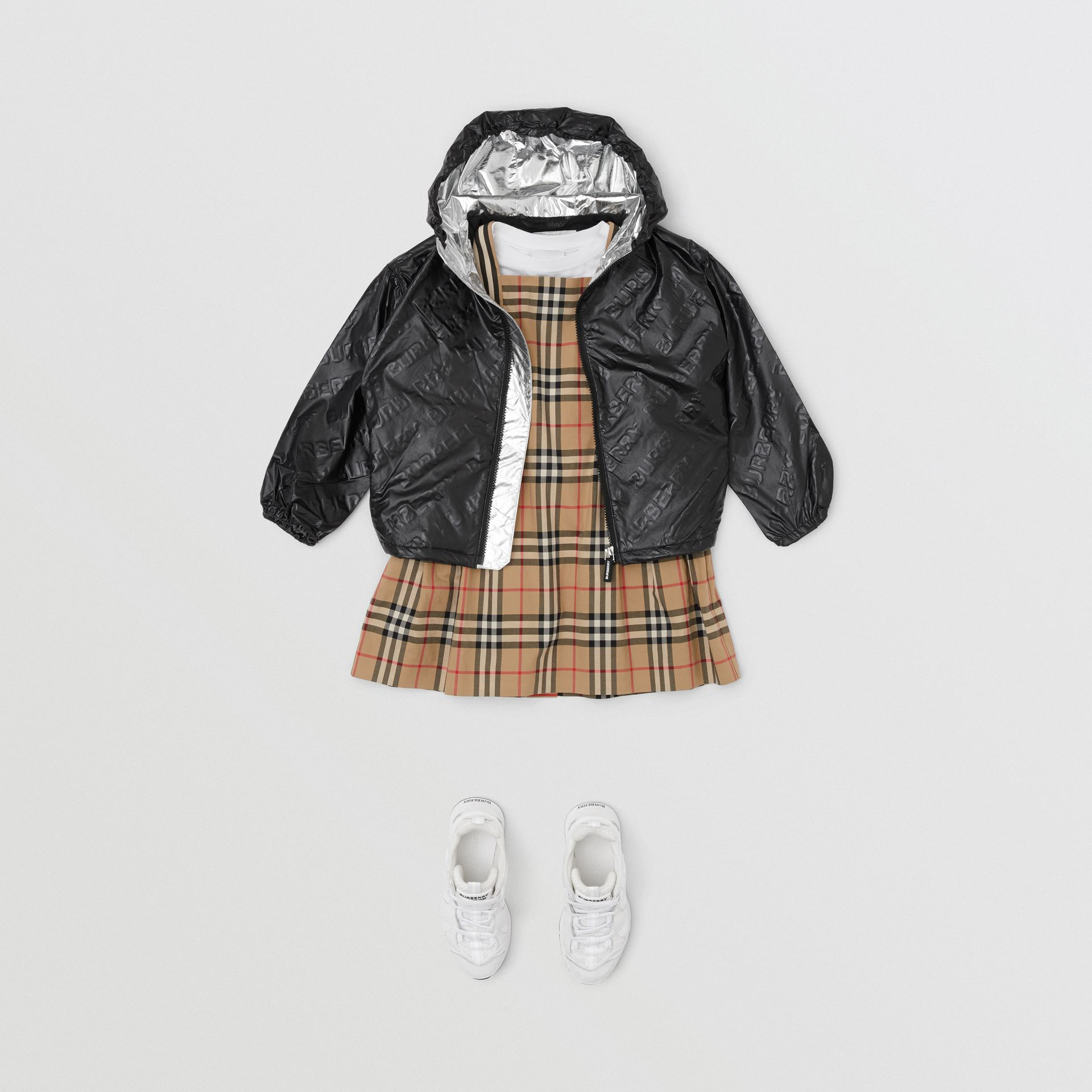 Logo Print Lightweight Hooded Jacket in Black | Burberry Hong Kong S.A.R - gallery image 3
