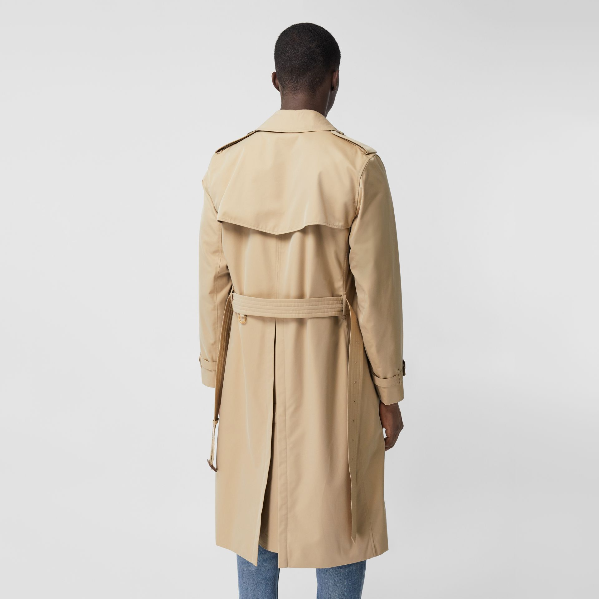 The Long Kensington Heritage Trench Coat in Honey - Men | Burberry - gallery image 2
